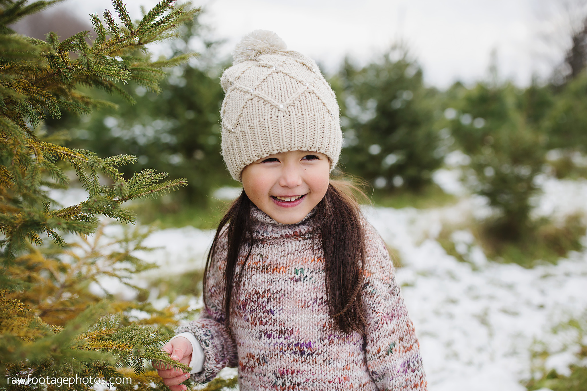 london_ontario_family_photographer-raw_footage_photography-tree_farm_minis-christmas_sessions-winter0006.jpg