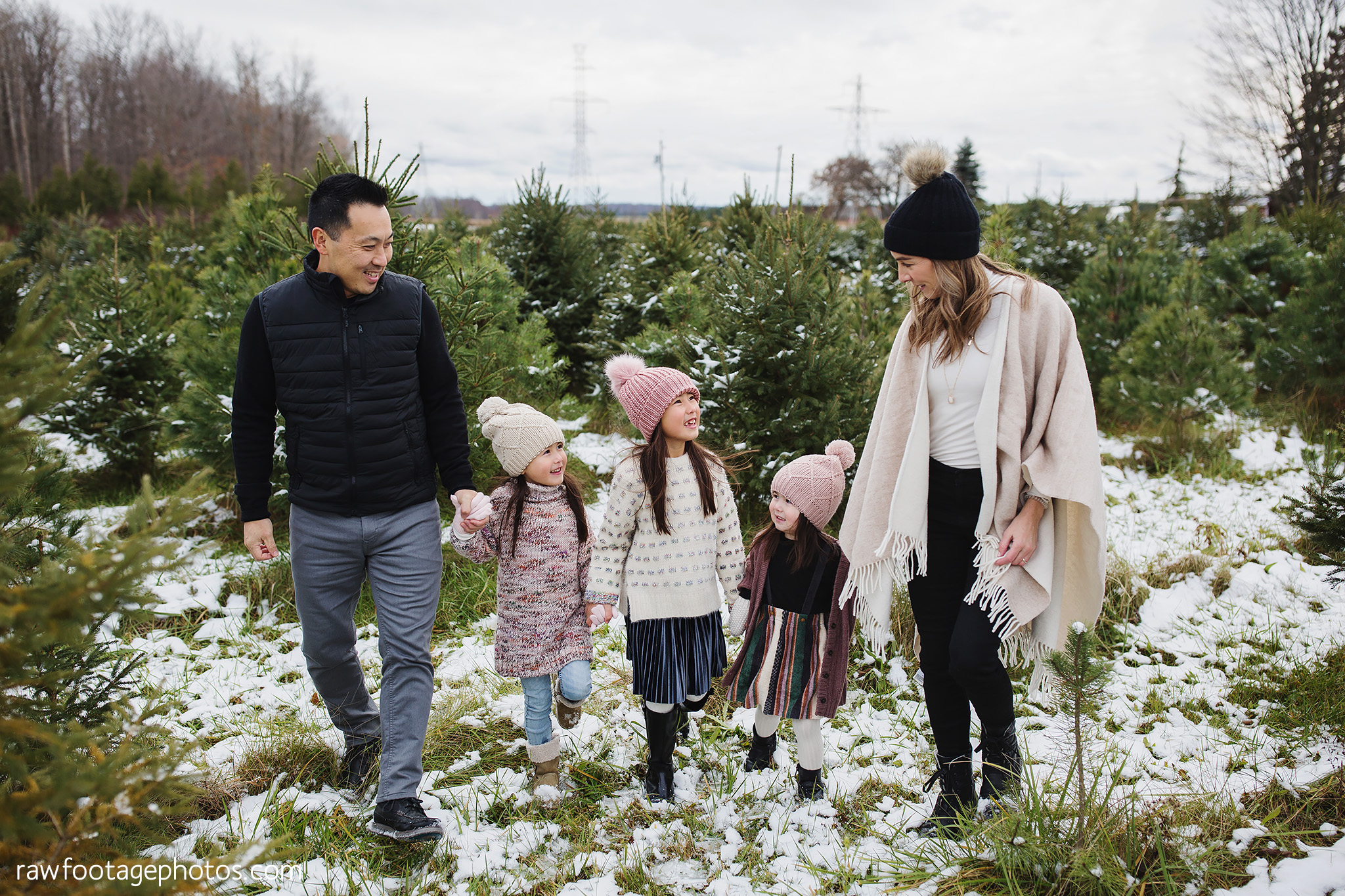 london_ontario_family_photographer-raw_footage_photography-tree_farm_minis-christmas_sessions-winter0007.jpg