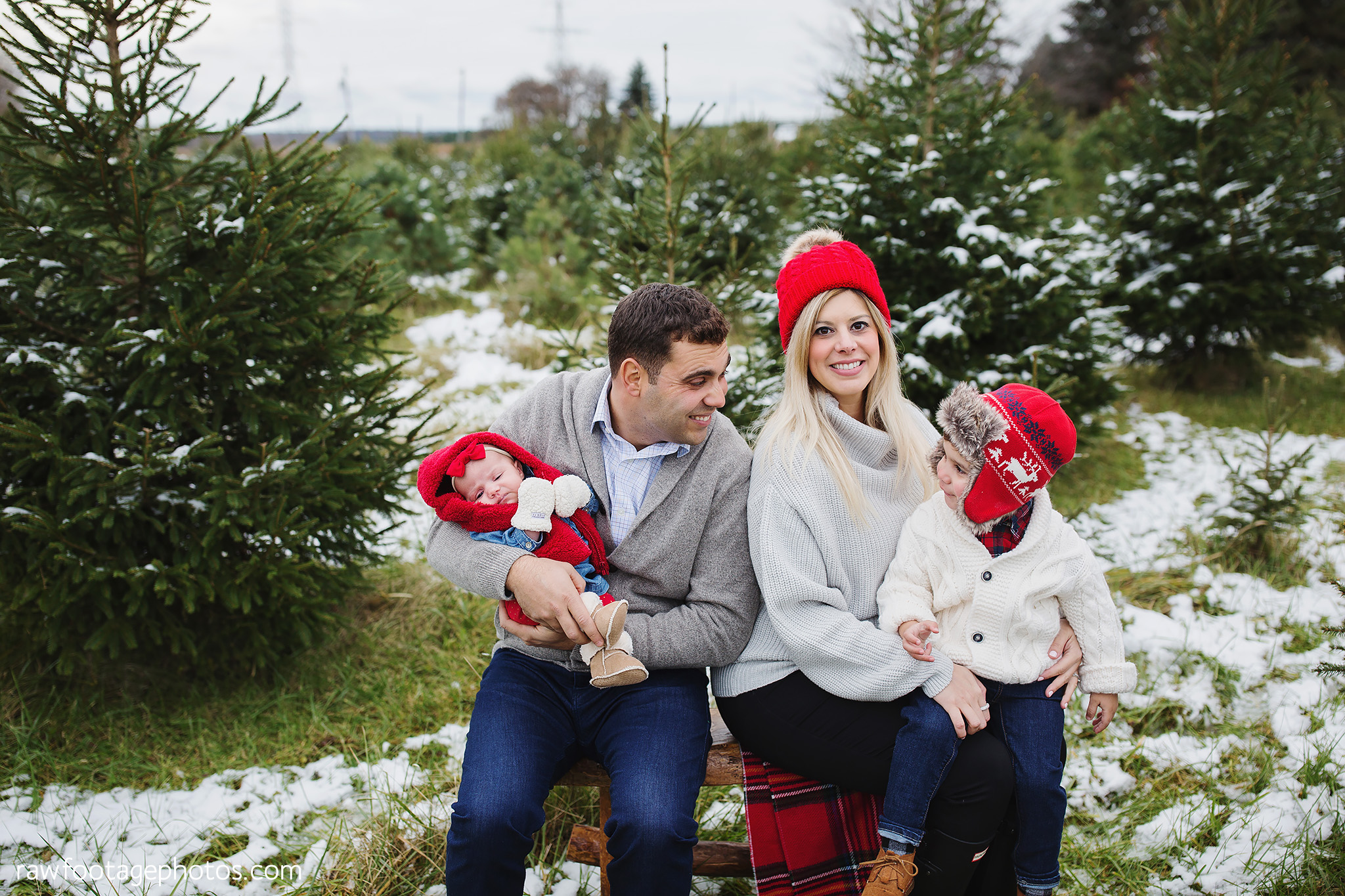london_ontario_family_photographer-raw_footage_photography-tree_farm_minis-christmas_sessions-winter0010.jpg