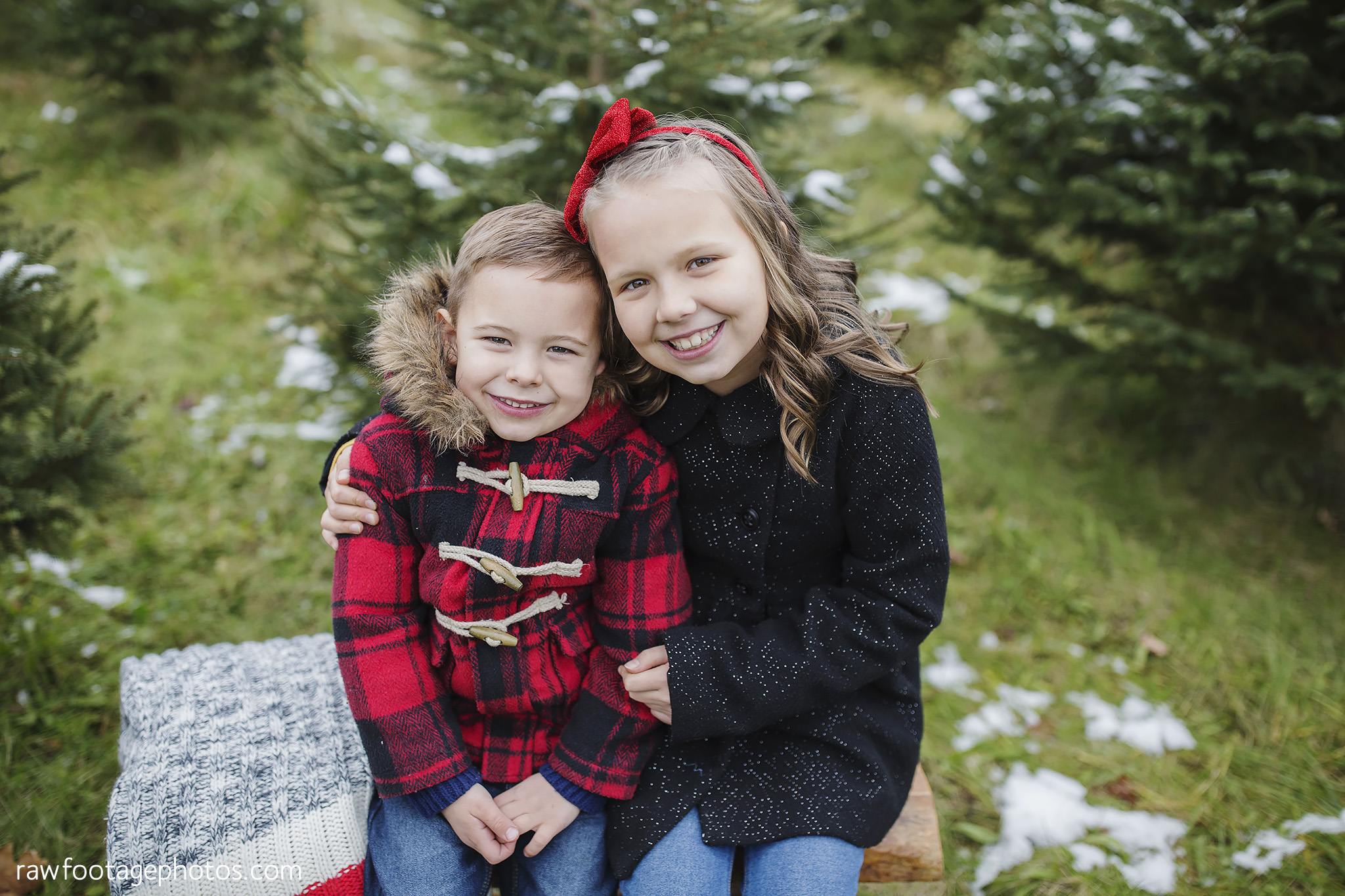 london_ontario_family_photographer-raw_footage_photography-tree_farm_minis-christmas_sessions-winter0025.jpg