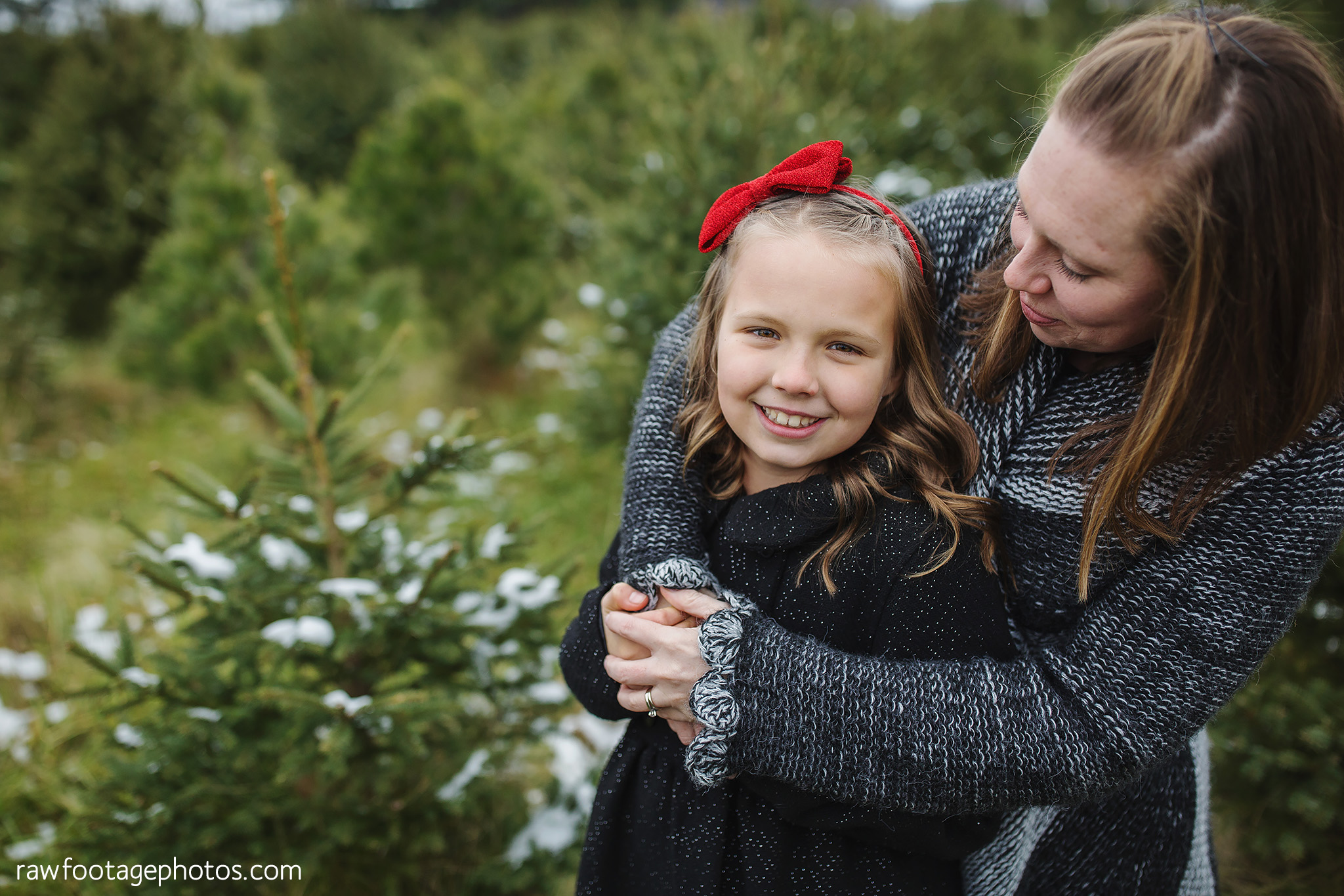london_ontario_family_photographer-raw_footage_photography-tree_farm_minis-christmas_sessions-winter0028.jpg