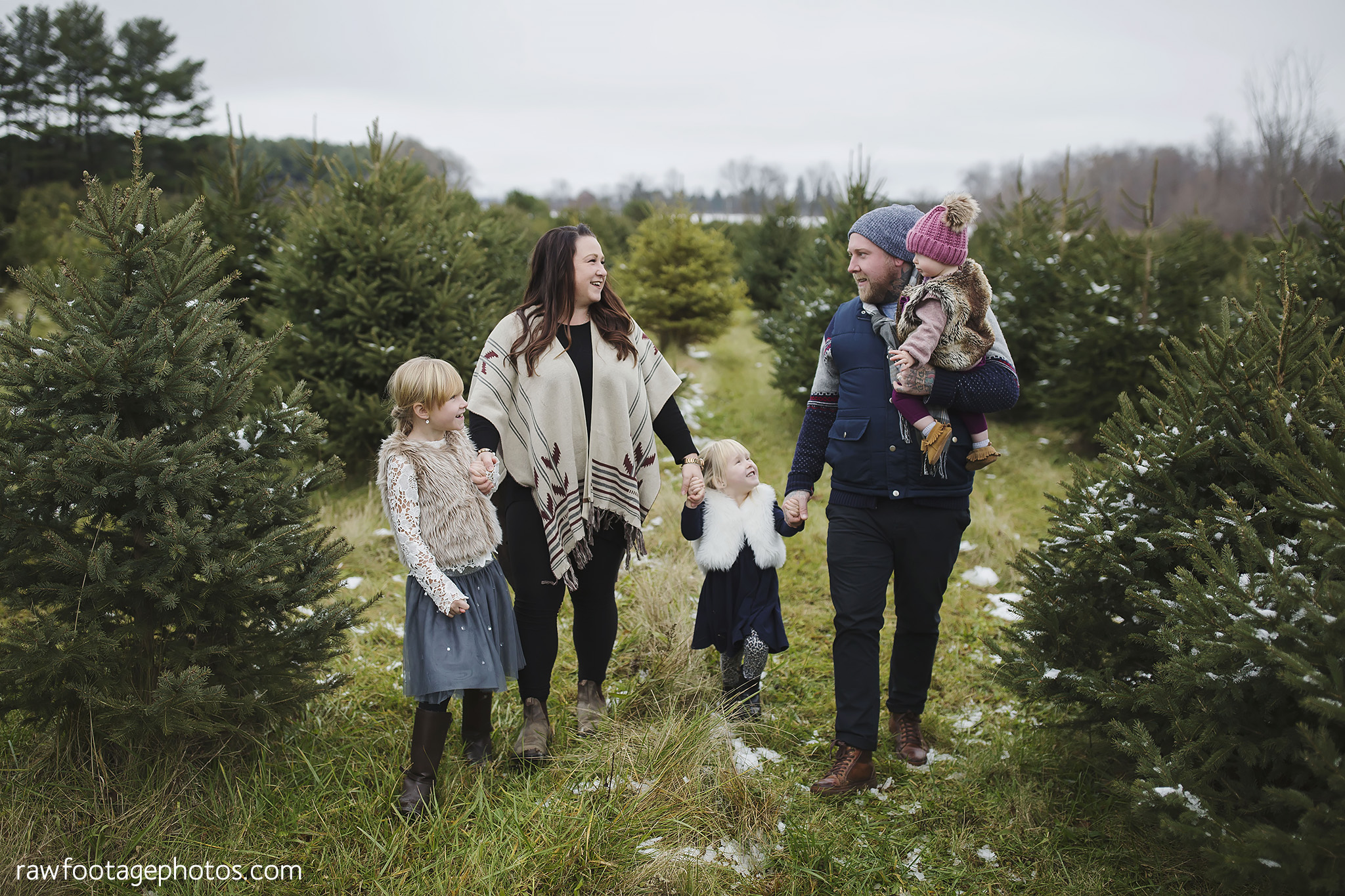 london_ontario_family_photographer-raw_footage_photography-tree_farm_minis-christmas_sessions-winter0031.jpg