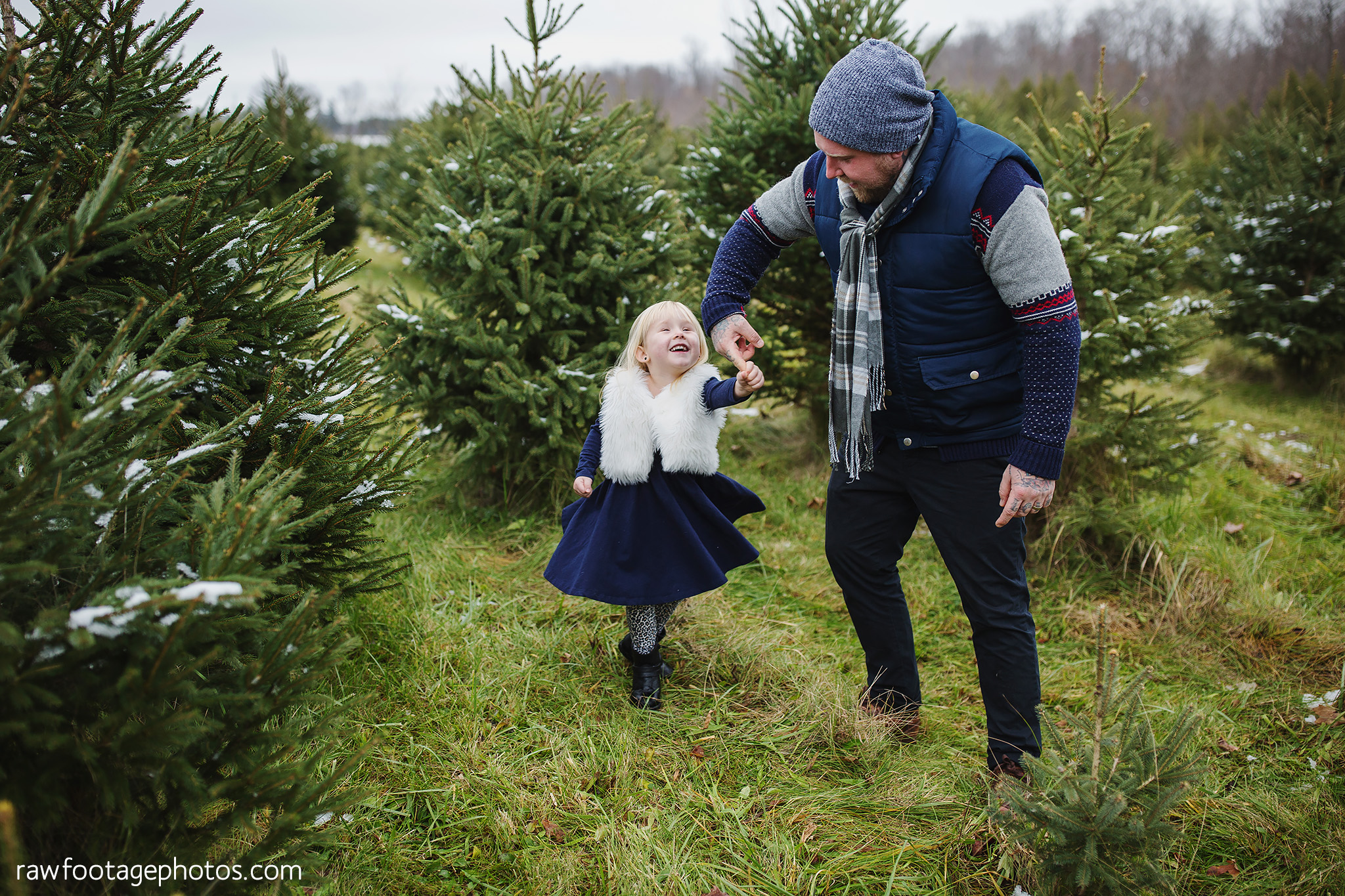 london_ontario_family_photographer-raw_footage_photography-tree_farm_minis-christmas_sessions-winter0032.jpg