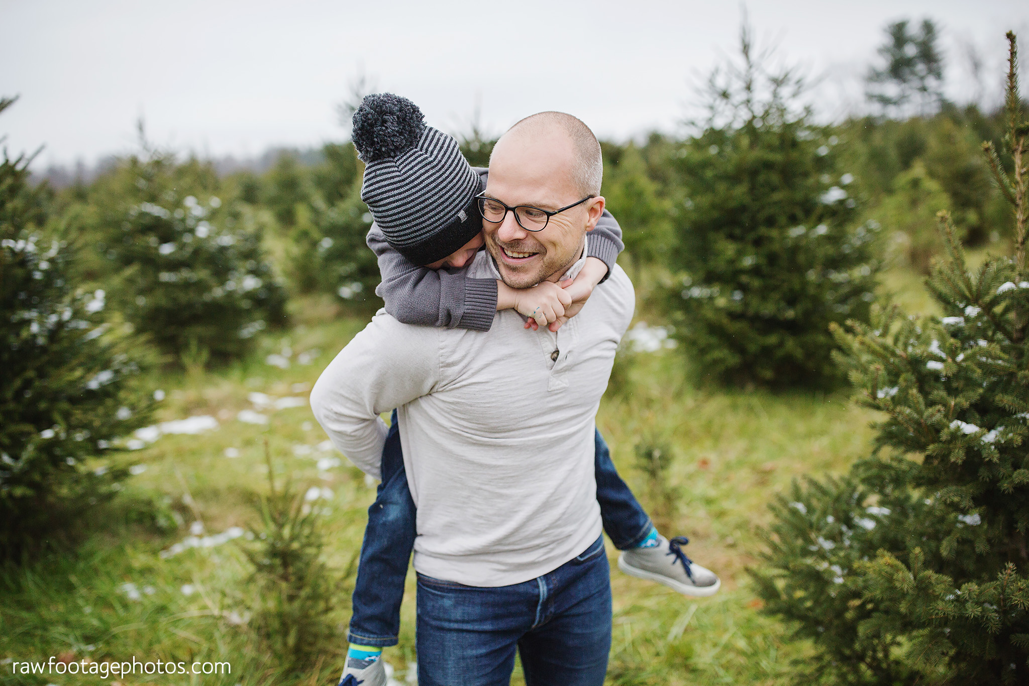 london_ontario_family_photographer-raw_footage_photography-tree_farm_minis-christmas_sessions-winter0036.jpg