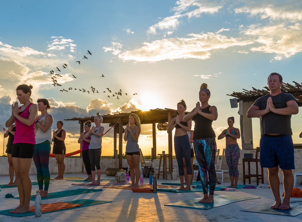 Chica Rooftop Shala - -open studio perfect for meditation or sunrise or sunset practice -30 mats
