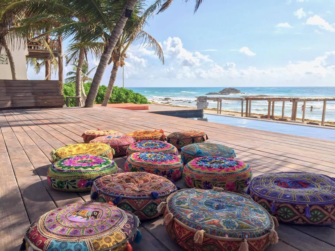 Beach deck - -sunrise meditation -25 pillows