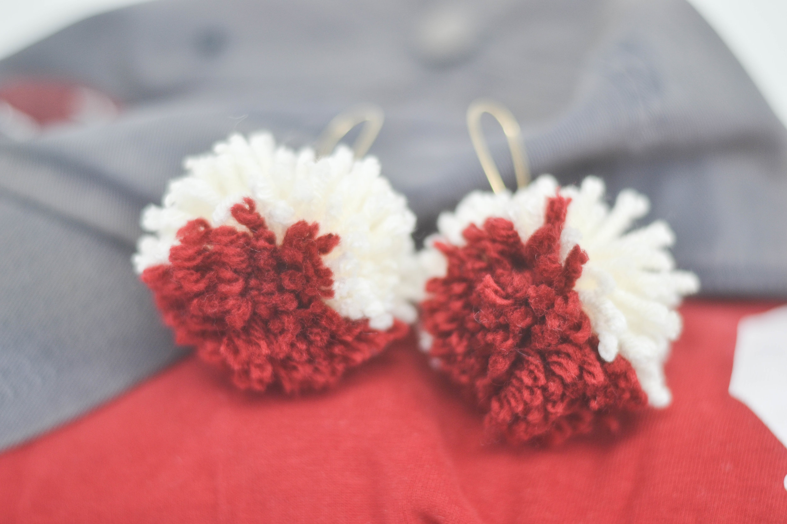 Easy DIY pom pom earring tutorial