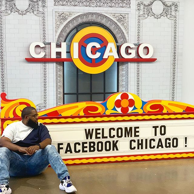 I would tell you about my trip to #facebook, but I signed a NDA🤫🤐 #cautionitsheavy #chicago #facebookchicago