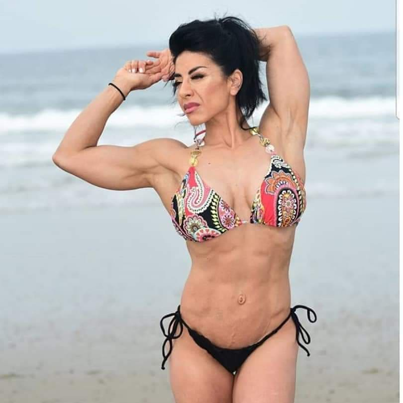 Unedited photo of fitness competitor Hidalia at Marina Del Rey, CA