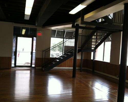 Downstairs-Staircase-500x400.jpg