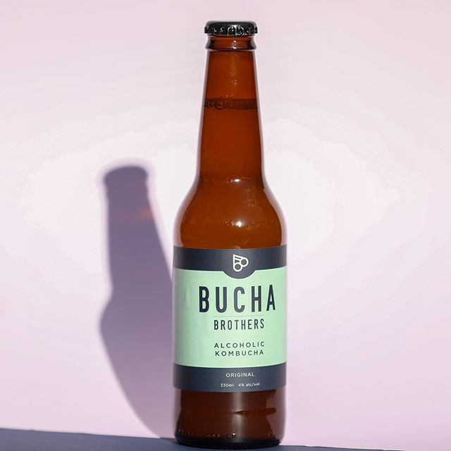 It's @buchabrothers o'clock. Happy Friday! #alcoholickombucha #buchabrothers #betterbeerbelly 📸 @theedibleimage