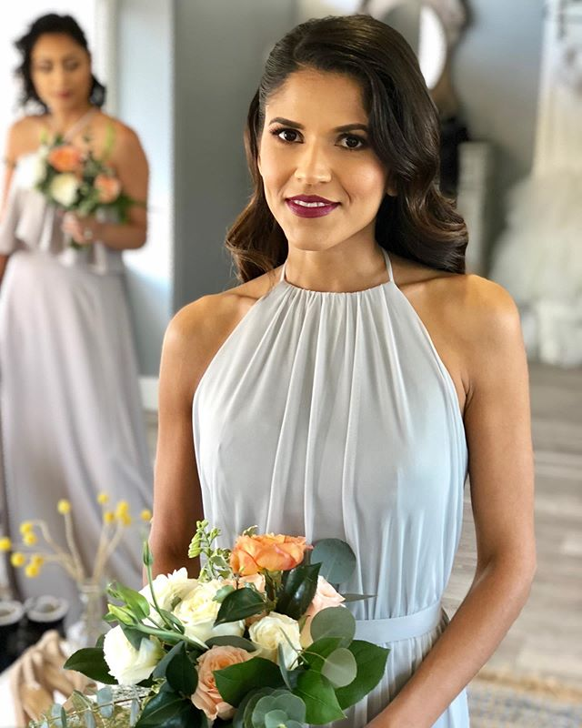 Don't ya just love the grey bridesmaid dresses! 💋😍💯 . . . Planning & Design | @cheerful_occasions  Photos | @karanixonweddings  Video | @bvtvisuals  Venue | @huntingtonbayclub  Floral | @withlovefloralco  Rentals | @sweetpearentals  Calligraphy | @allaboutwhimsy  Cake | @acakecreations  Photo booth | @cheerful_occasions  Tux | @friartux  Gown | @korabrides  China | @vialaroche  Watches | @treehutco  Linens | @wildflowerlinen MAUH | @vanessa.muah  MAUH | @makeupbyjulian  MAUH | @houseoflashayhair MAUH | @paulinemakeupartist  Model | @alexacappy  Model | @alexraffio  Model | @mrfreddyfeaster  Model | @wendy_h3  Model | @sarah_lilian_  #navyblue #tablescape #ocplanner #ocwedding #letsgetyoumarried #2019wedding #huntingtonbeach #cheerfuloccasions #cheers #weloveweddings #styledshoots