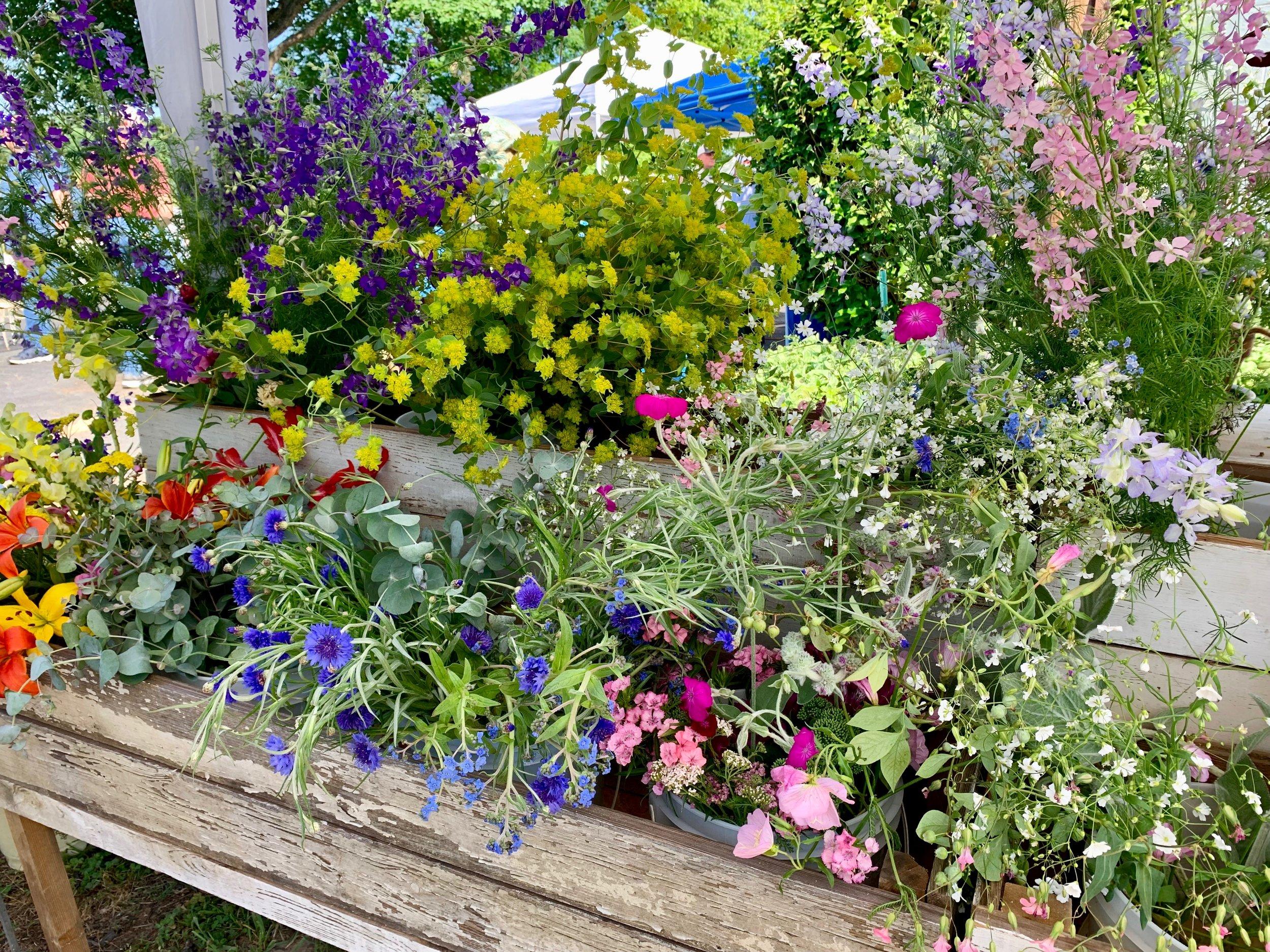 SatF 2019 Flowers IMG_0799.jpg