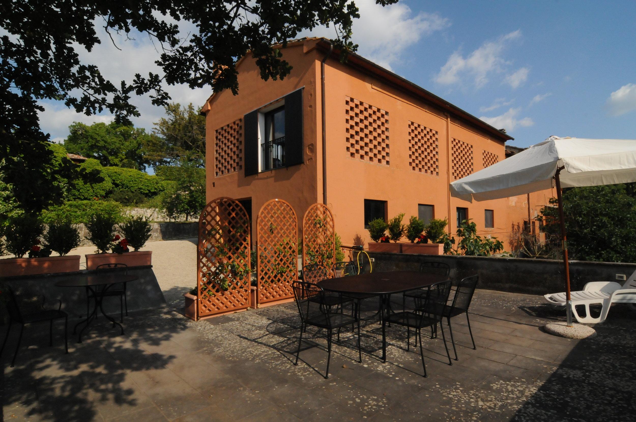 _Capanna fouri w- terrace 0242.JPG