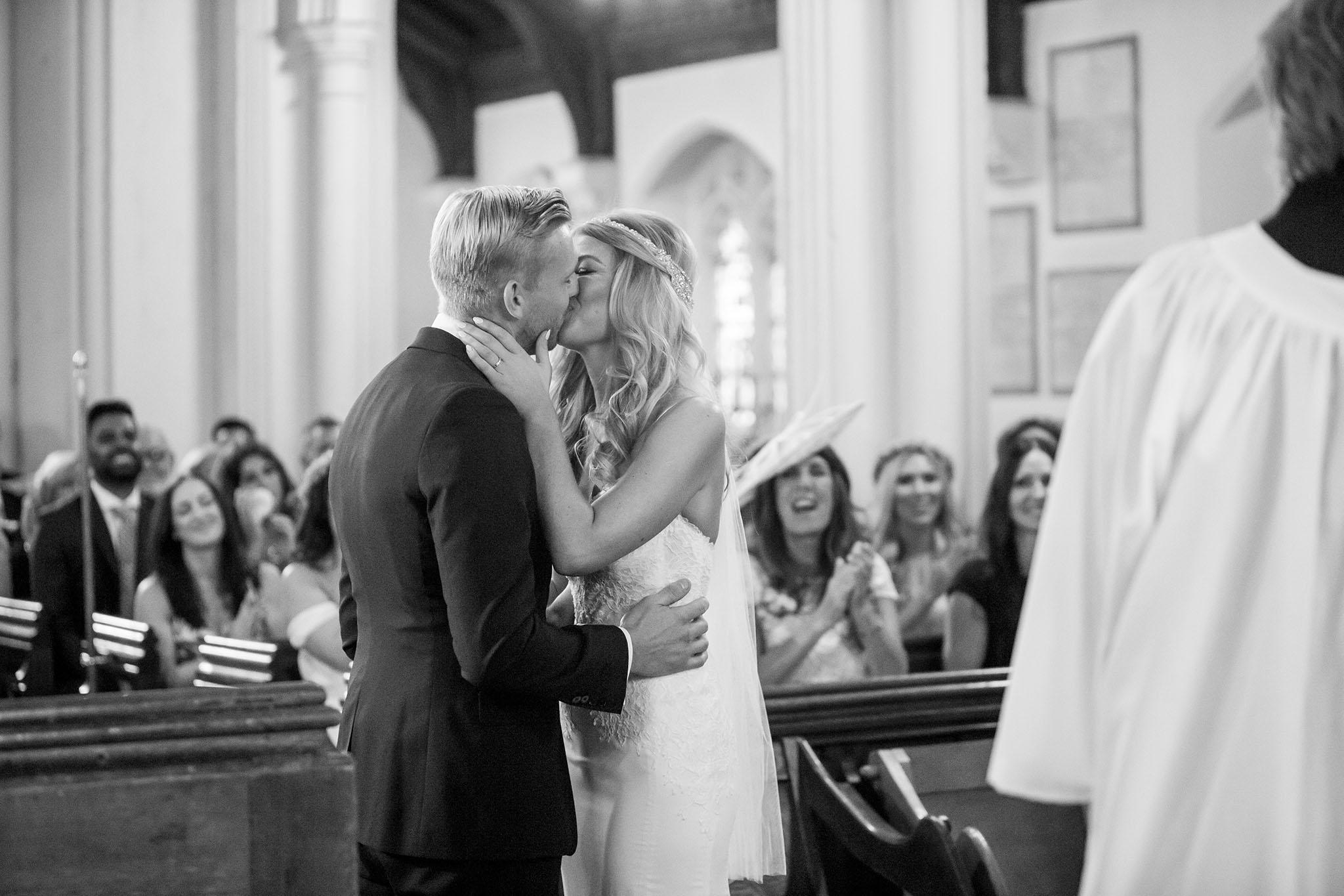 elizabethgphotography_kingslangley_hertfordshire_fineart_wedding_stmichaelsmanor_hotel_stalbans_luciejack_20.jpg