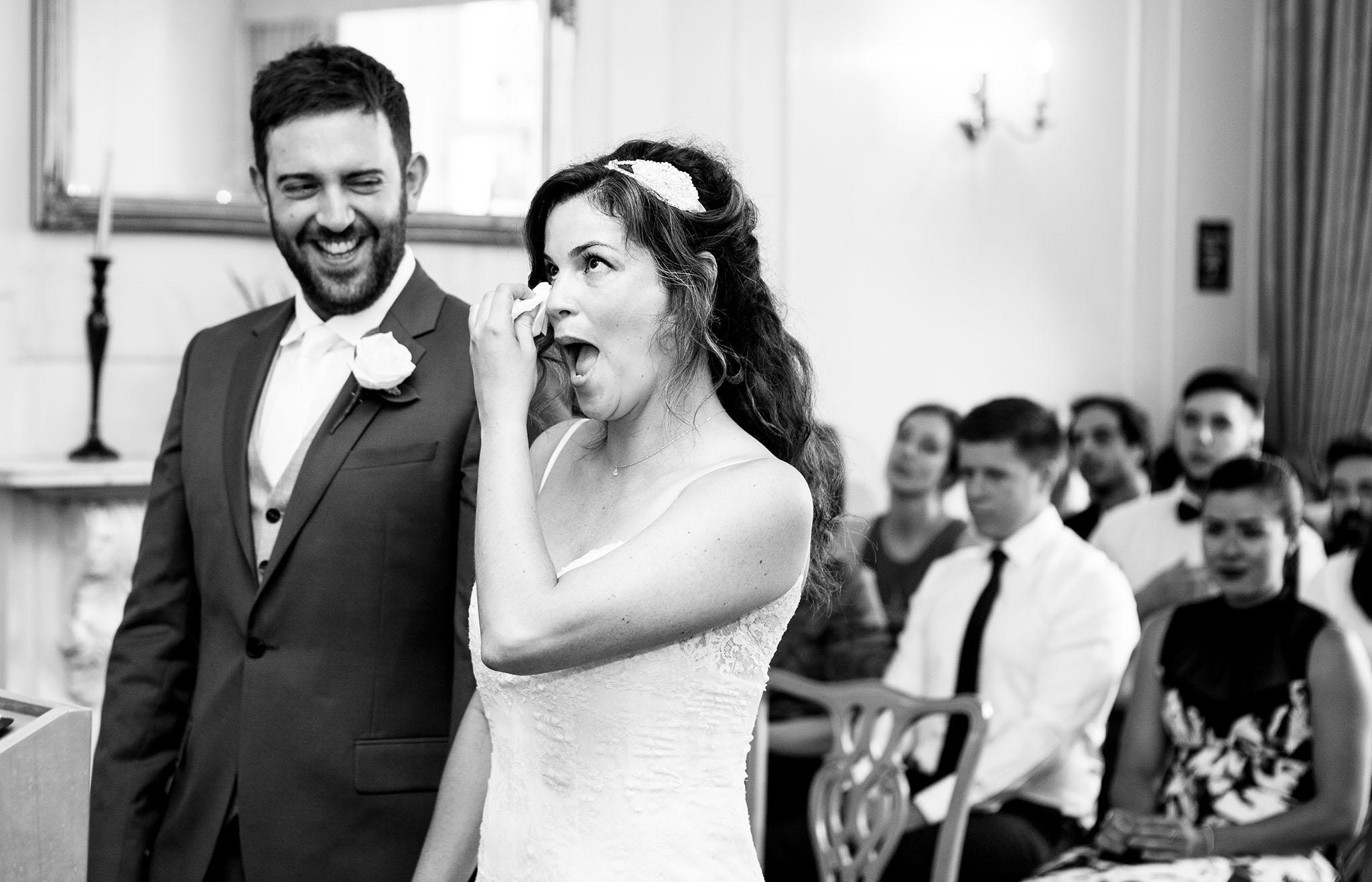 elizabethgphotography_kingslangley_hertfordshire_fineart_wedding_enfield_ricky_nicole_nahlis_17.jpg