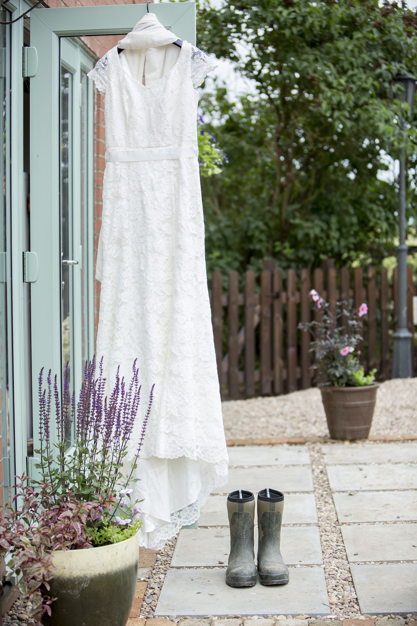 elizabethgphotography_kingslangley_hertfordshire_fineart_wedding_photography_lincolnshire_anna_simon_03.jpg