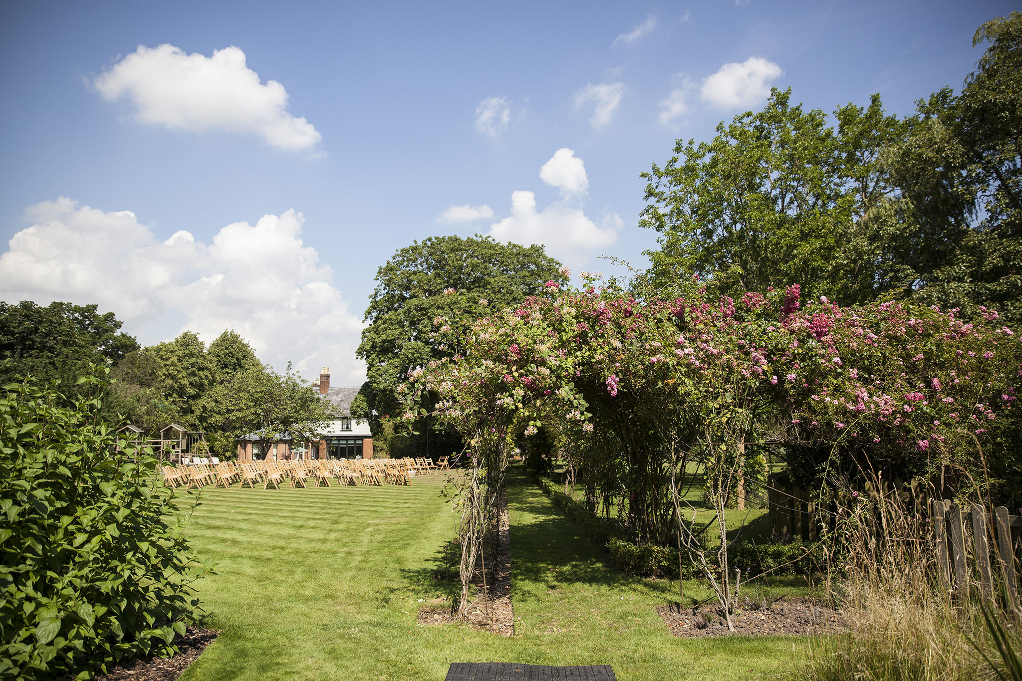 elizabethgphotography_kingslangley_hertfordshire_fineart_wedding_pottersbar_matt_katie_pegg_07.jpg