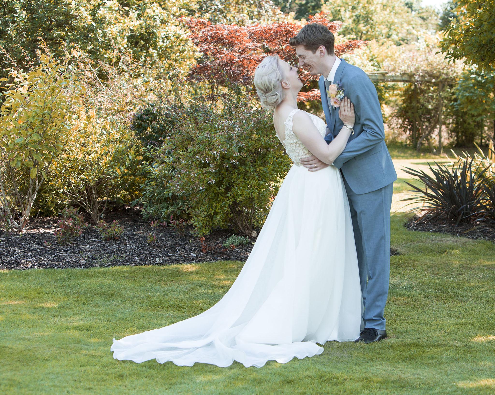elizabethgphotography_kingslangley_hertfordshire_fineart_wedding_pottersbar_matt_katie_pegg_29.jpg