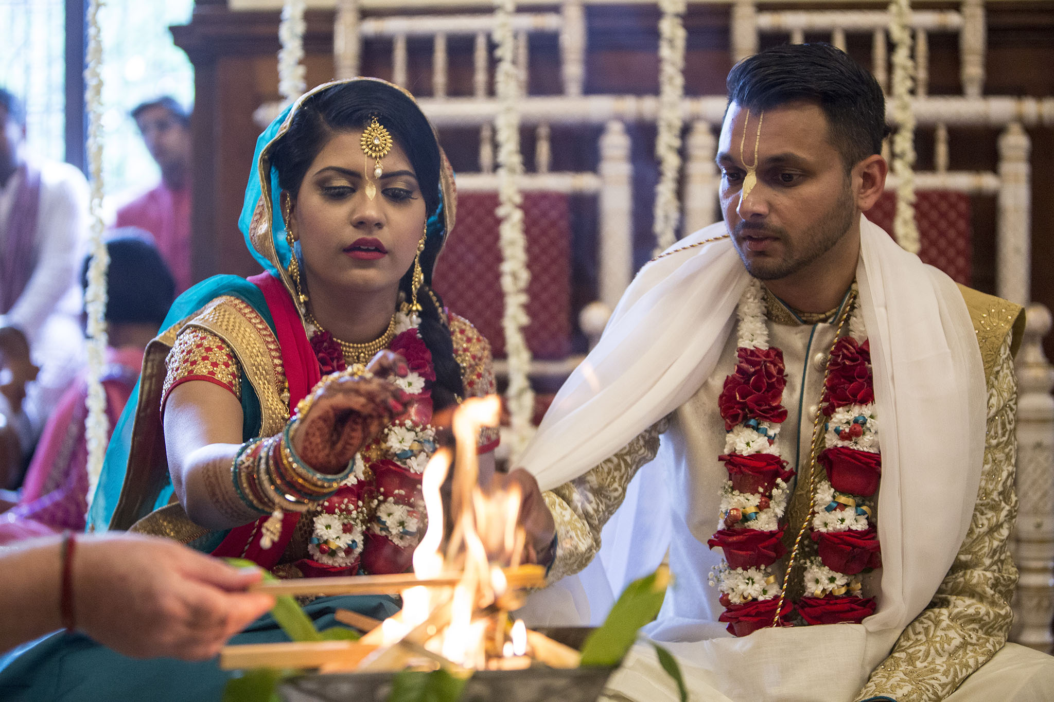 elizabethgphotography_kingslangley_hertfordshire_fineart_indian_wedding_photography_jigna_bhuja_bhaktivedanta_manor_watford_01.jpg