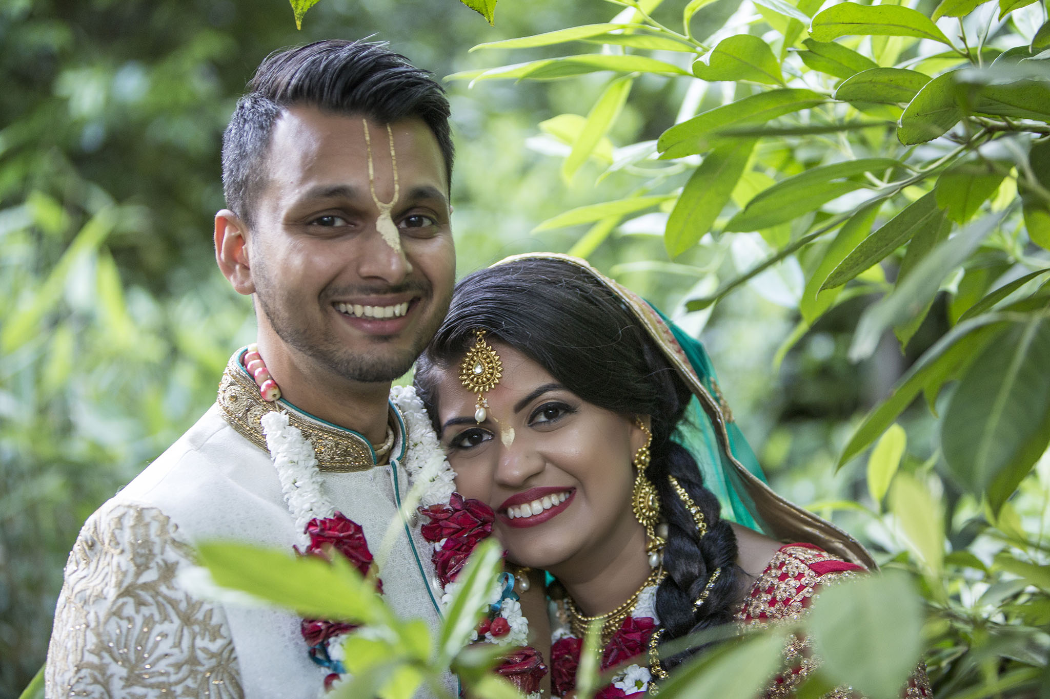 elizabethgphotography_kingslangley_hertfordshire_fineart_indian_wedding_photography_jigna_bhuja_bhaktivedanta_manor_watford_14.jpg
