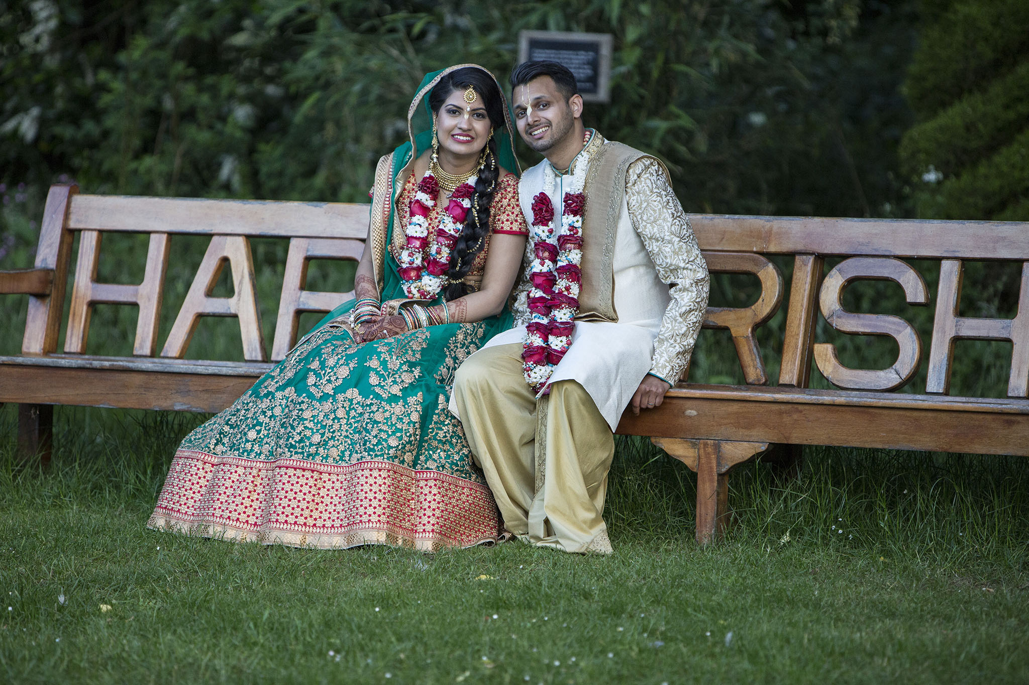 elizabethgphotography_kingslangley_hertfordshire_fineart_indian_wedding_photography_jigna_bhuja_bhaktivedanta_manor_watford_16.jpg