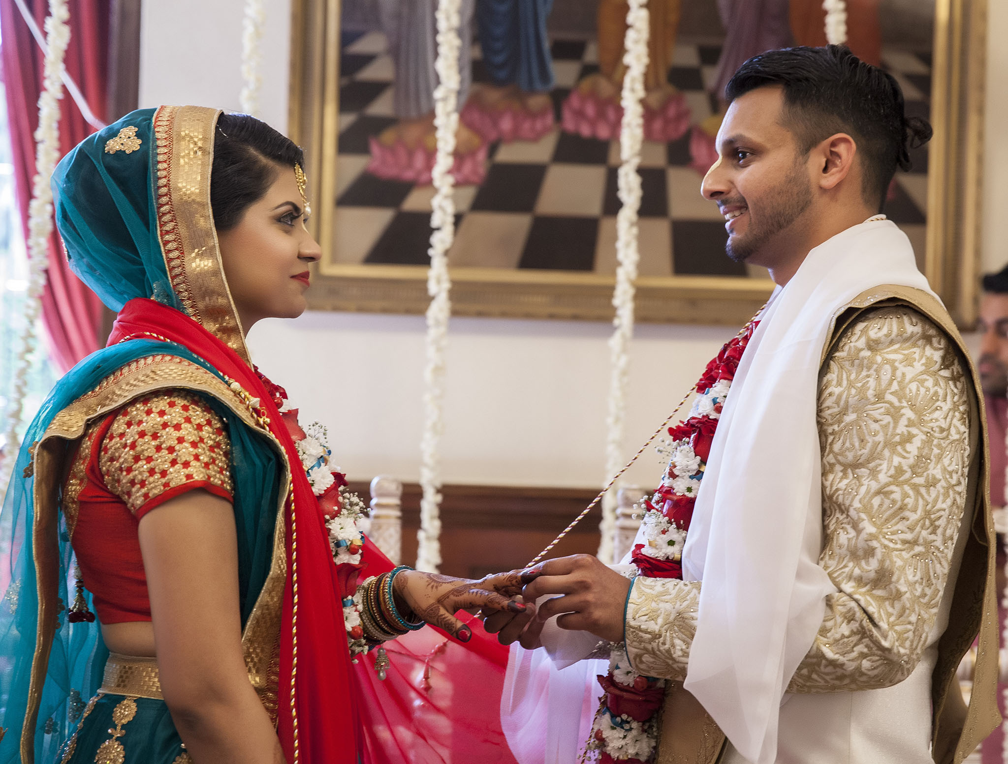 elizabethgphotography_kingslangley_hertfordshire_fineart_indian_wedding_photography_jigna_bhuja_bhaktivedanta_manor_watford_27.jpg
