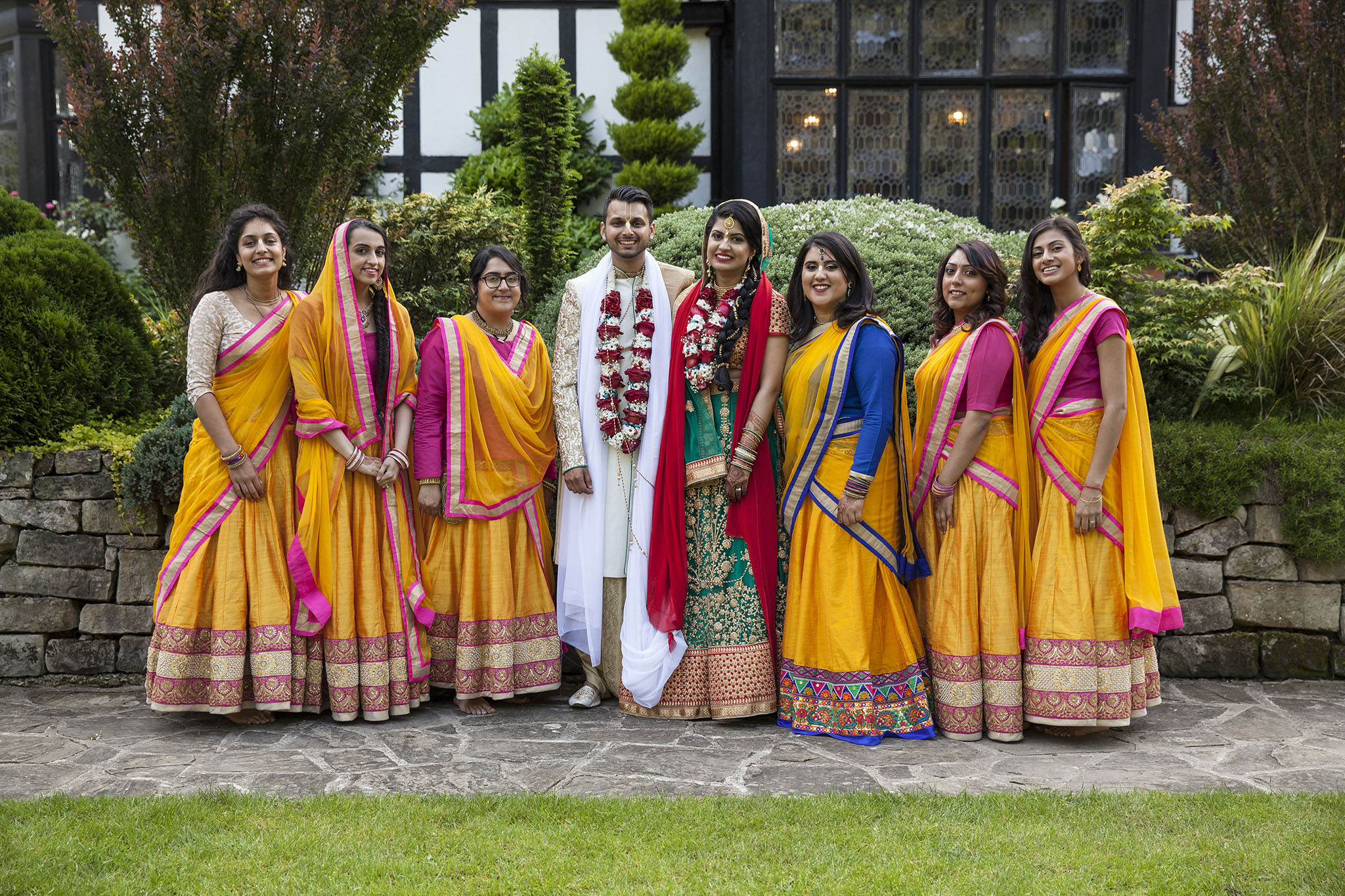 elizabethgphotography_kingslangley_hertfordshire_fineart_indian_wedding_photography_jigna_bhuja_bhaktivedanta_manor_watford_31.jpg