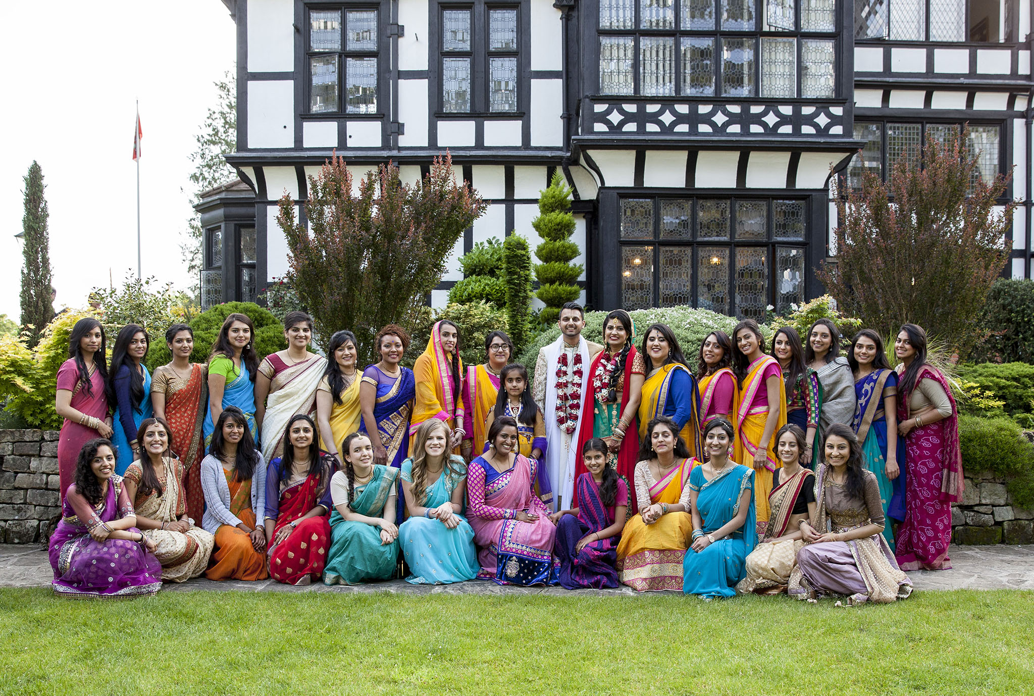 elizabethgphotography_kingslangley_hertfordshire_fineart_indian_wedding_photography_jigna_bhuja_bhaktivedanta_manor_watford_32.jpg