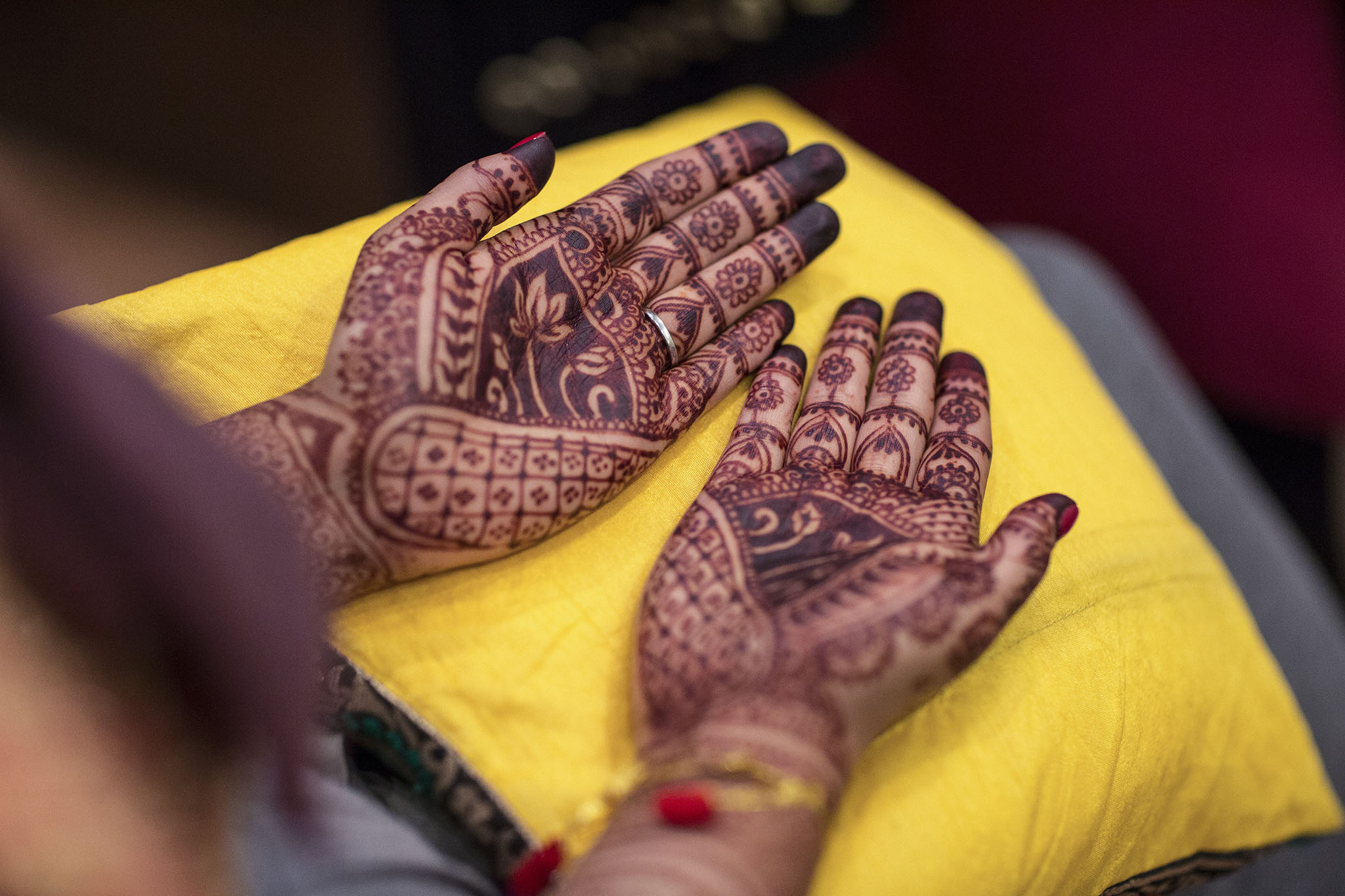 elizabethgphotography_kingslangley_hertfordshire_fineart_indian_wedding_photography_jigna_bhuja_bhaktivedanta_manor_watford_76.jpg