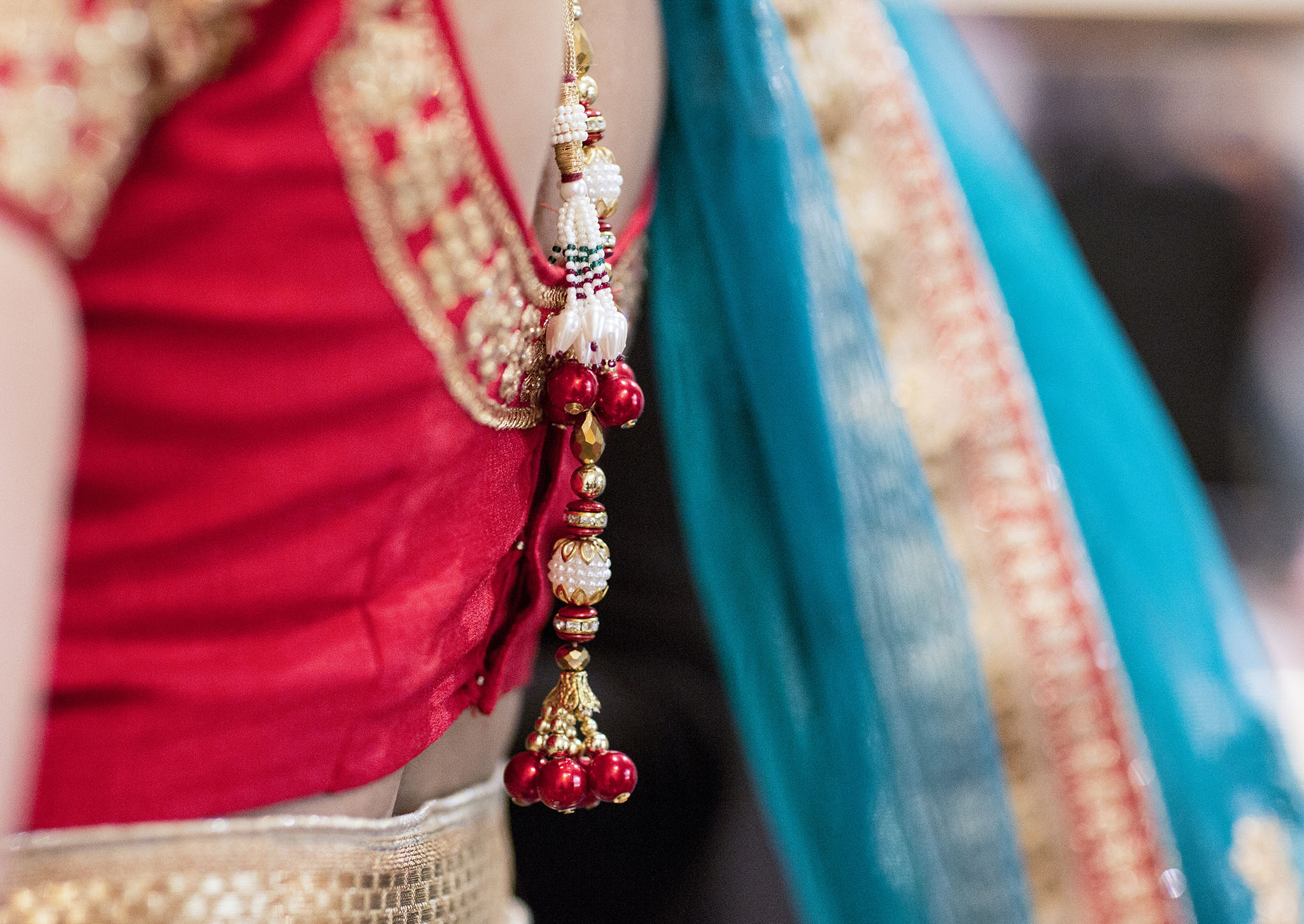 elizabethgphotography_kingslangley_hertfordshire_fineart_indian_wedding_photography_jigna_bhuja_bhaktivedanta_manor_watford_82.jpg