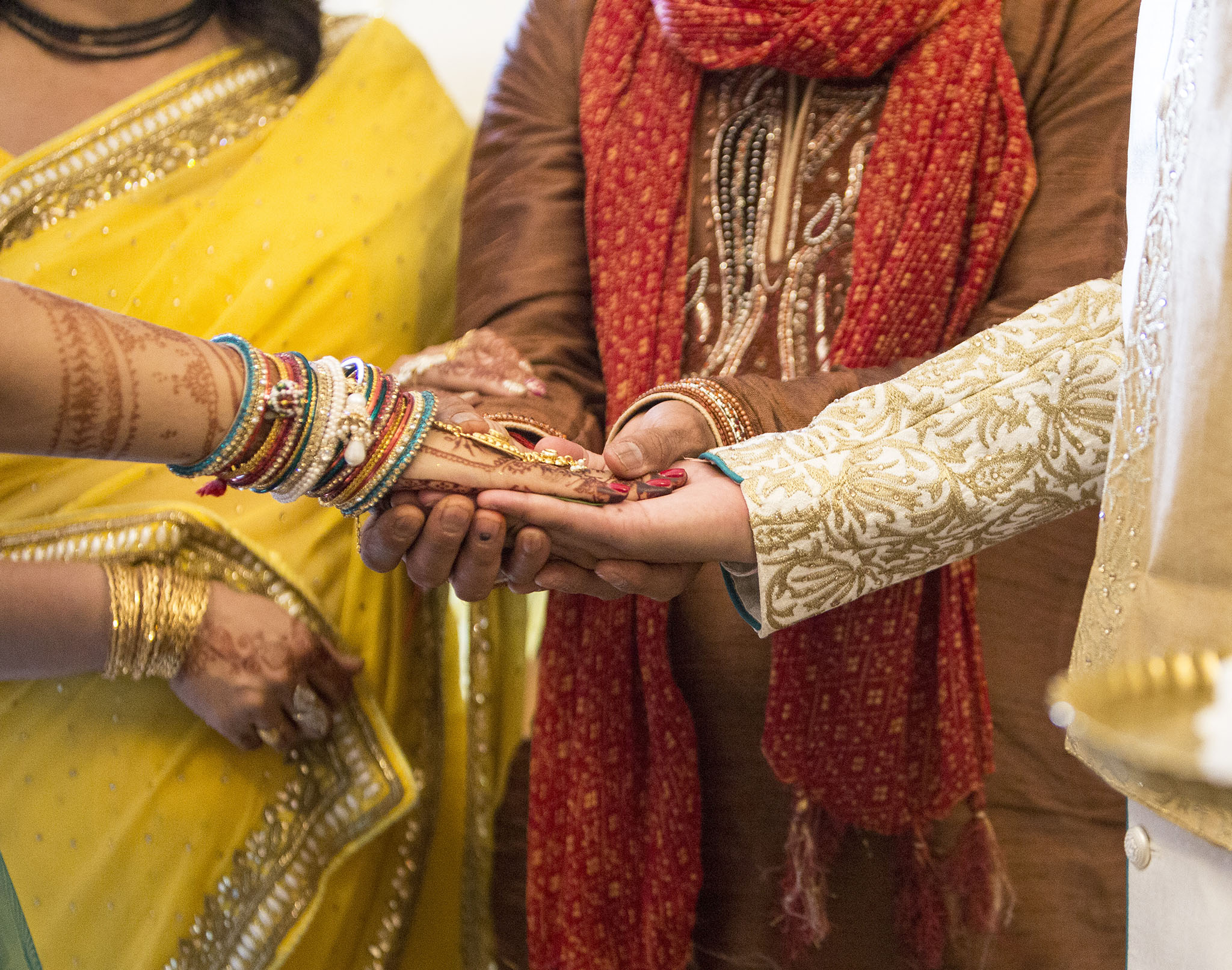 elizabethgphotography_kingslangley_hertfordshire_fineart_indian_wedding_photography_jigna_bhuja_bhaktivedanta_manor_watford_89.jpg