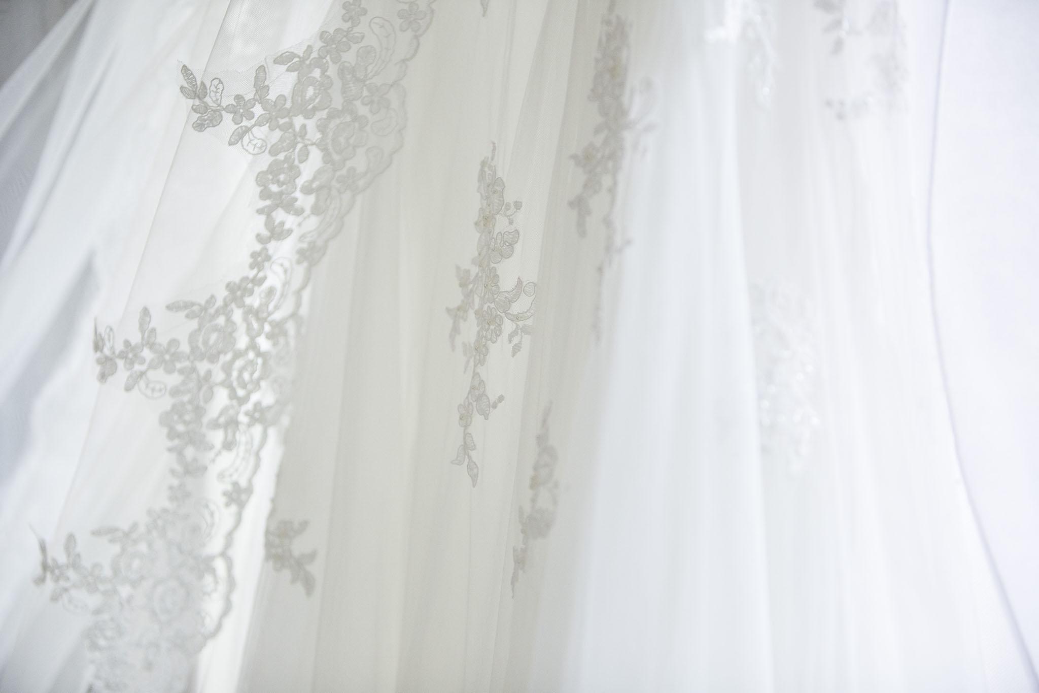 elizabethgphotography_kingslangley_hertfordshire_fineart_wedding_tewinbury_farm_tayna_07.jpg