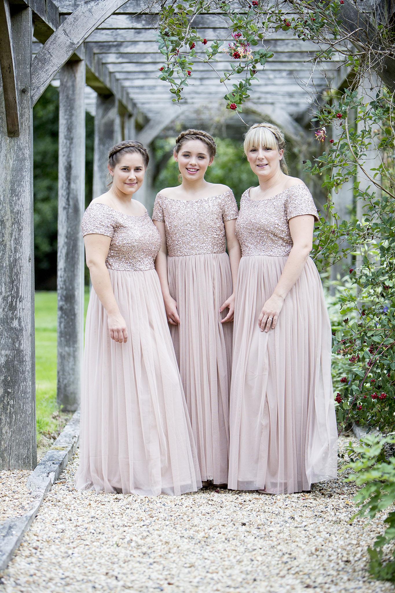 elizabethgphotography_kingslangley_hertfordshire_fineart_wedding_tewinbury_farm_tayna_08.jpg