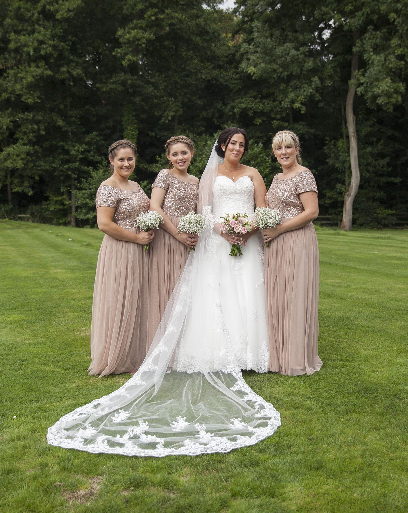 elizabethgphotography_kingslangley_hertfordshire_fineart_wedding_tewinbury_farm_tayna_14.jpg