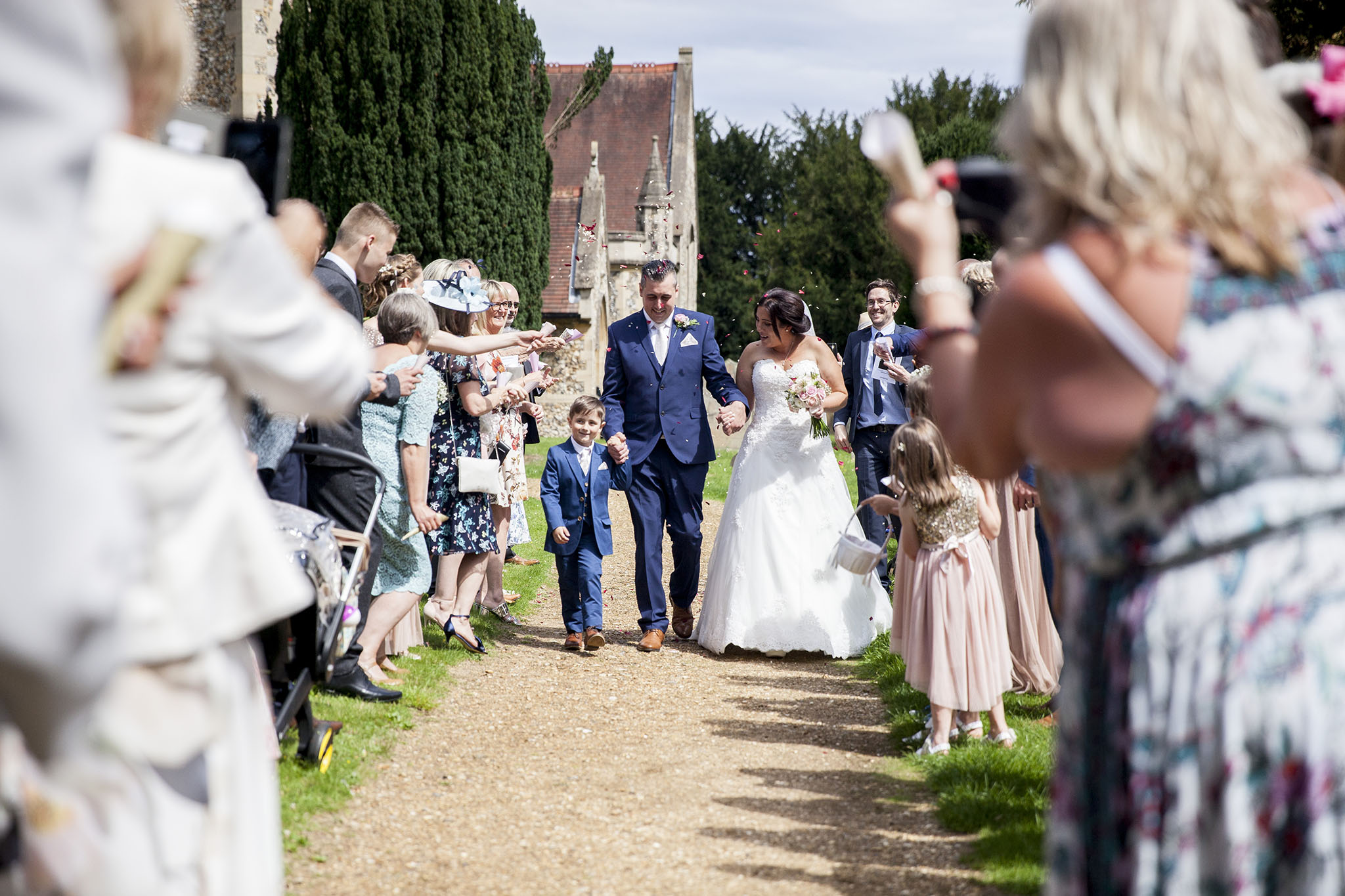 elizabethgphotography_kingslangley_hertfordshire_fineart_wedding_tewinbury_farm_tayna_18.jpg