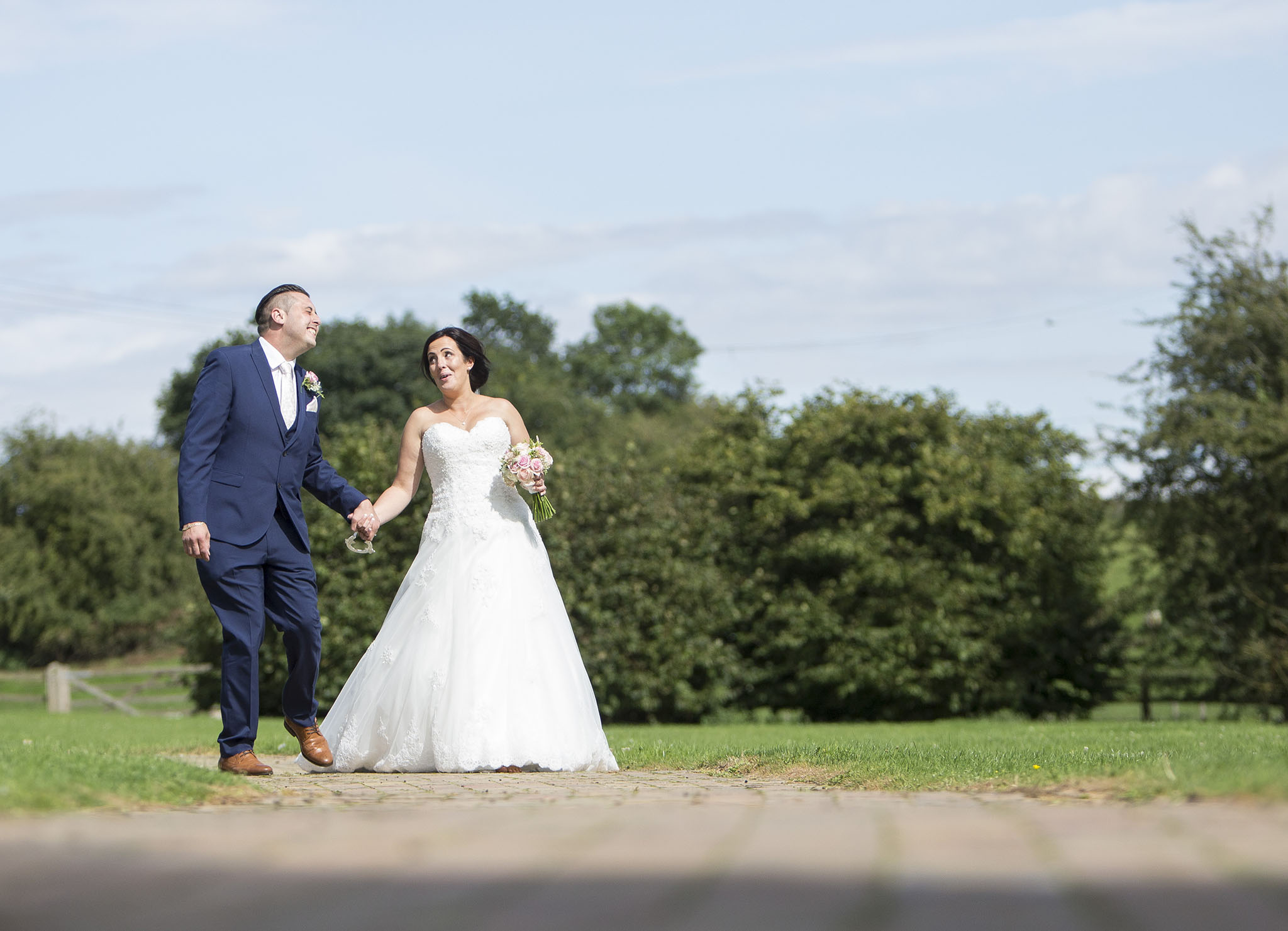 elizabethgphotography_kingslangley_hertfordshire_fineart_wedding_tewinbury_farm_tayna_24.jpg