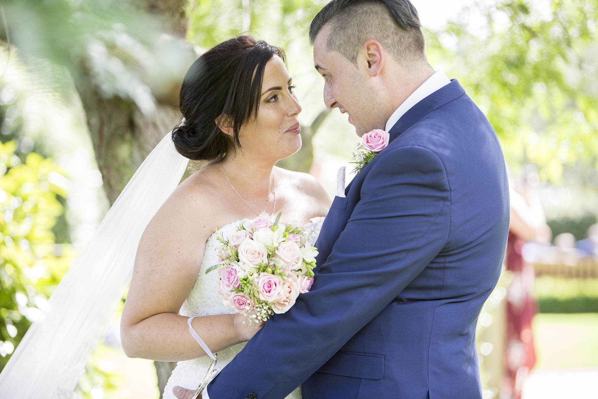 elizabethgphotography_kingslangley_hertfordshire_fineart_wedding_tewinbury_farm_tayna_25.jpg