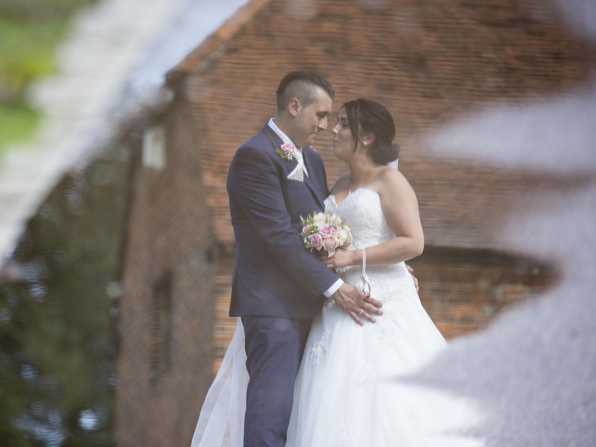 elizabethgphotography_kingslangley_hertfordshire_fineart_wedding_tewinbury_farm_tayna_26.jpg