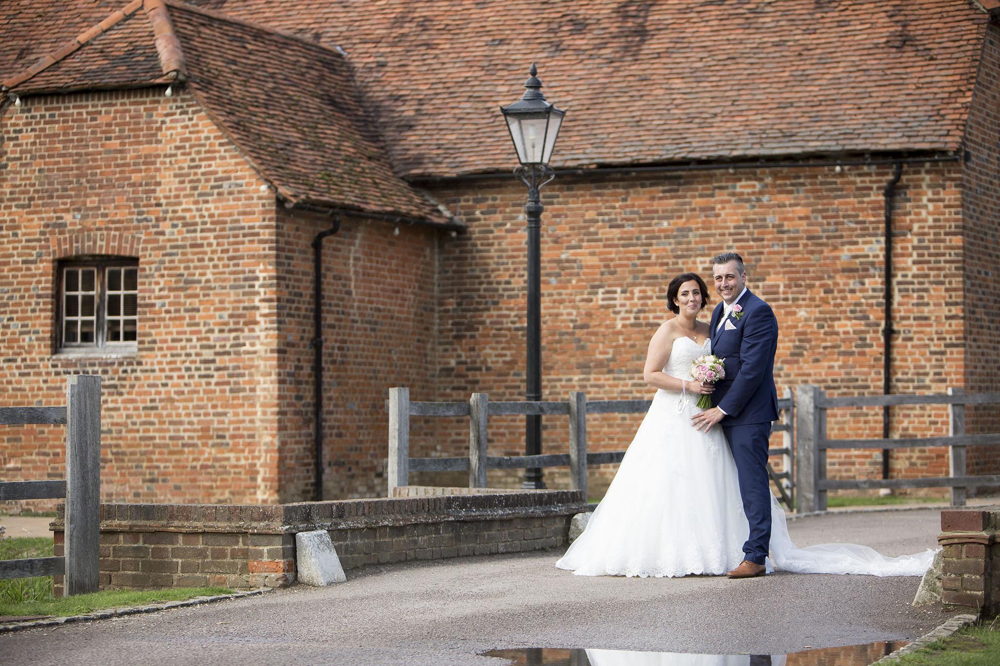 elizabethgphotography_kingslangley_hertfordshire_fineart_wedding_tewinbury_farm_tayna_27.jpg