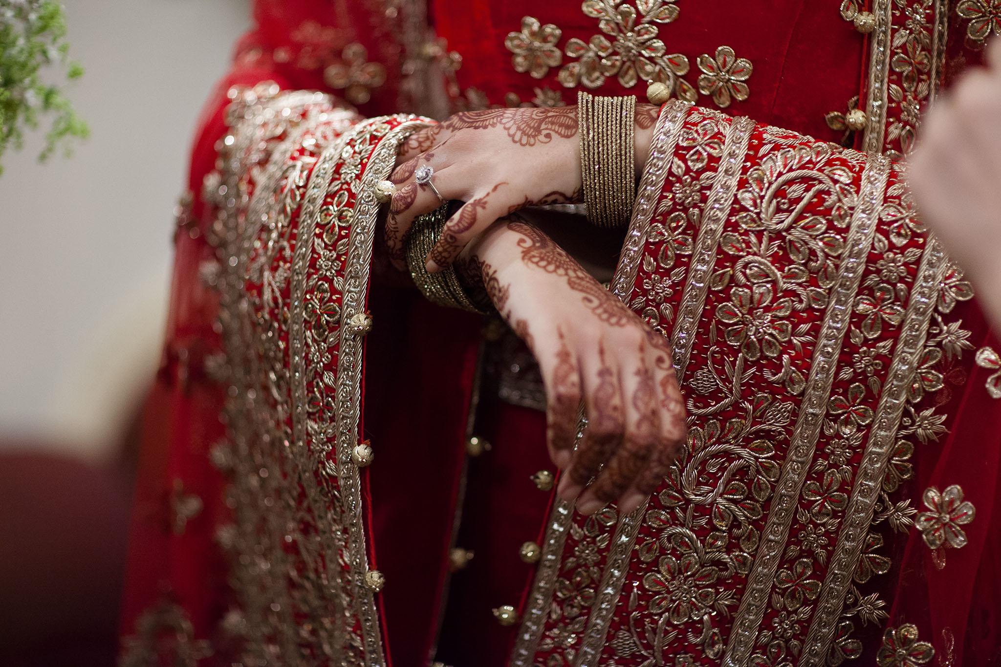 elizabethgphotography_kingslangley_hertfordshire_fineart_indian_wedding_photography_bhavesh_kundalata_bhaktivedanta_manor_watford_jpg11.jpg