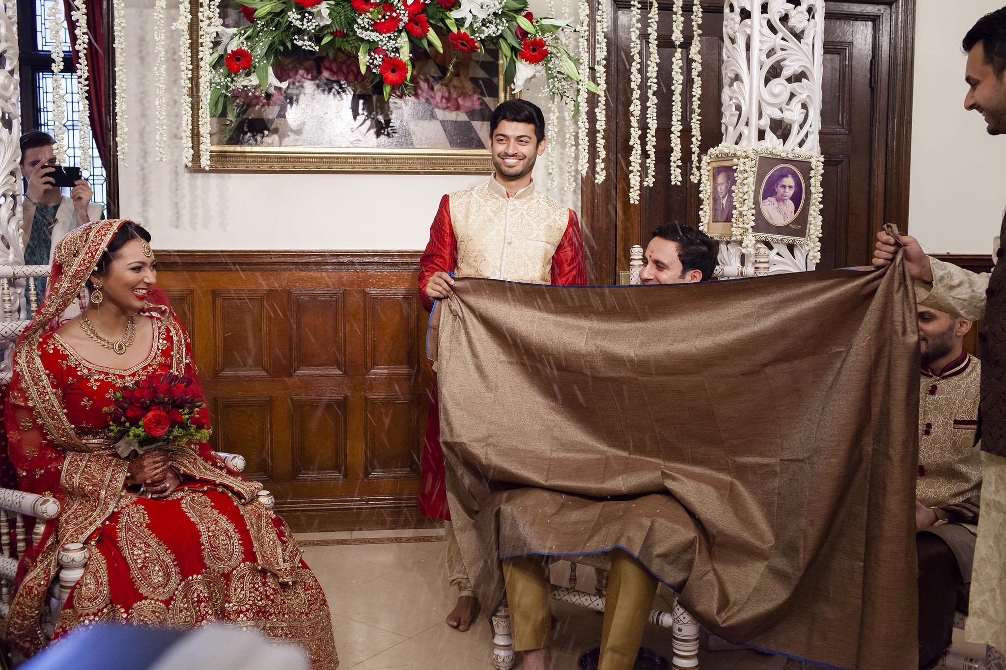 elizabethgphotography_kingslangley_hertfordshire_fineart_indian_wedding_photography_bhavesh_kundalata_bhaktivedanta_manor_watford_jpg14.jpg