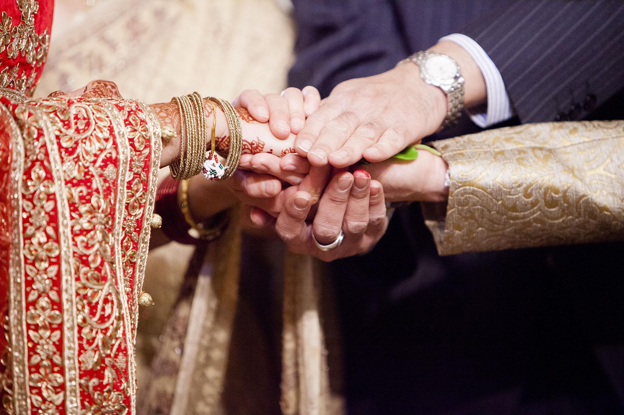 elizabethgphotography_kingslangley_hertfordshire_fineart_indian_wedding_photography_bhavesh_kundalata_bhaktivedanta_manor_watford_jpg35.jpg