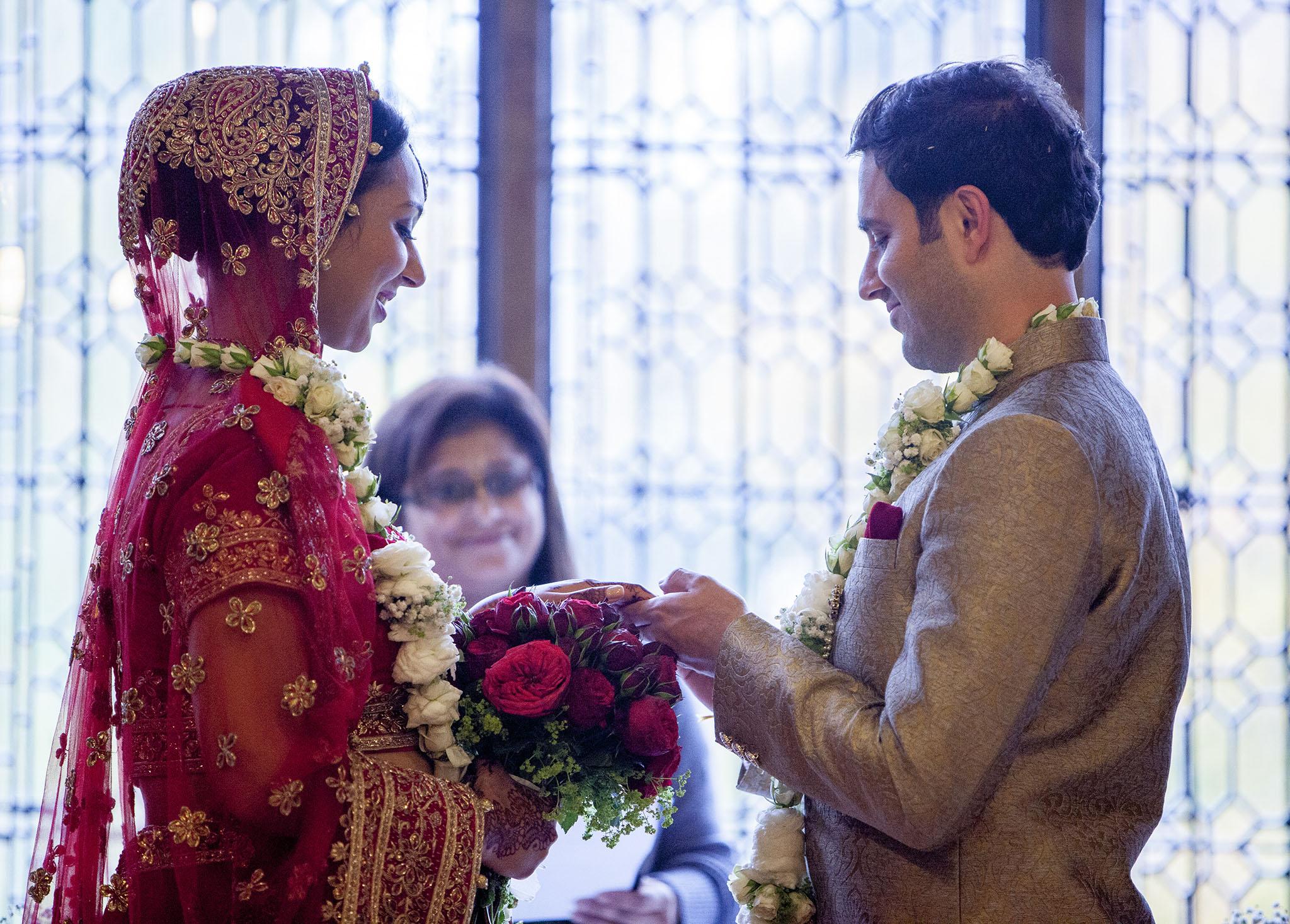 elizabethgphotography_kingslangley_hertfordshire_fineart_indian_wedding_photography_bhavesh_kundalata_bhaktivedanta_manor_watford_jpg54.jpg