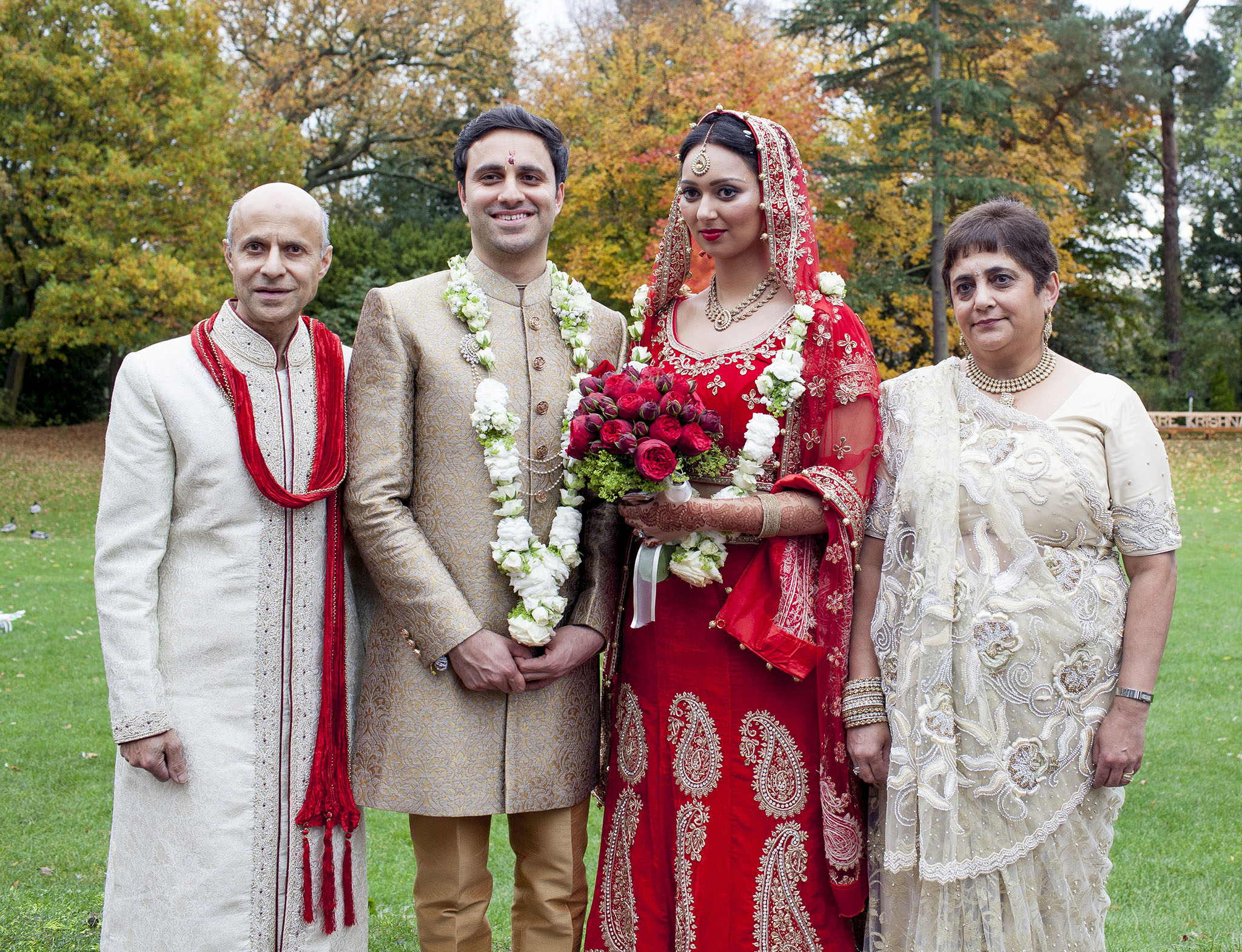 elizabethgphotography_kingslangley_hertfordshire_fineart_indian_wedding_photography_bhavesh_kundalata_bhaktivedanta_manor_watford_jpg53.jpg