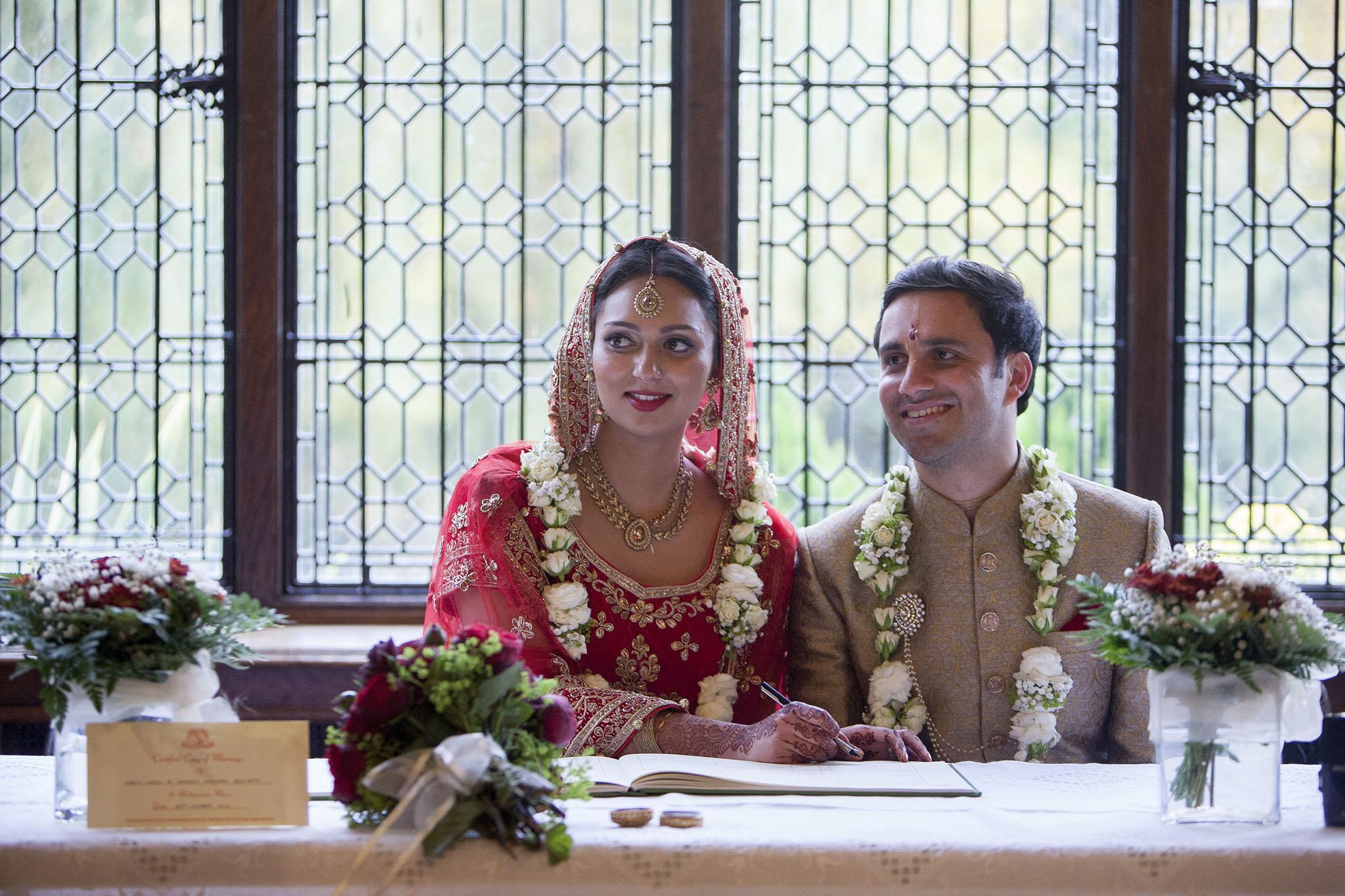 elizabethgphotography_kingslangley_hertfordshire_fineart_indian_wedding_photography_bhavesh_kundalata_bhaktivedanta_manor_watford_jpg55.jpg