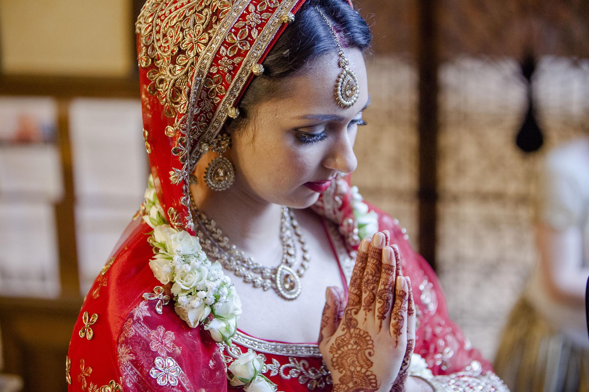 elizabethgphotography_kingslangley_hertfordshire_fineart_indian_wedding_photography_bhavesh_kundalata_bhaktivedanta_manor_watford_jpg65.jpg