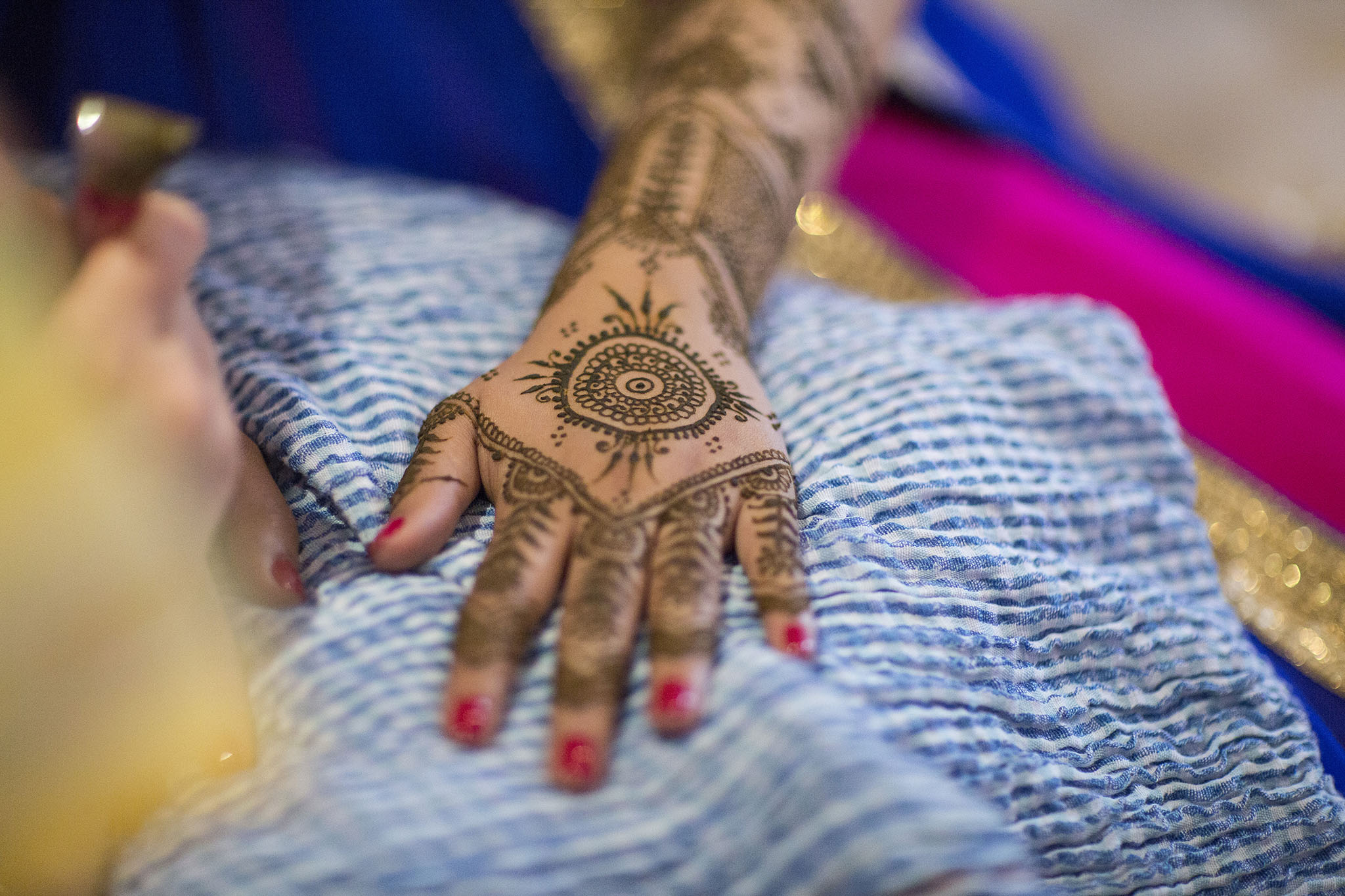 elizabethgphotography_kingslangley_hertfordshire_fineart_indian_wedding_mehndi_photography_jigna_bhuja_03.jpg