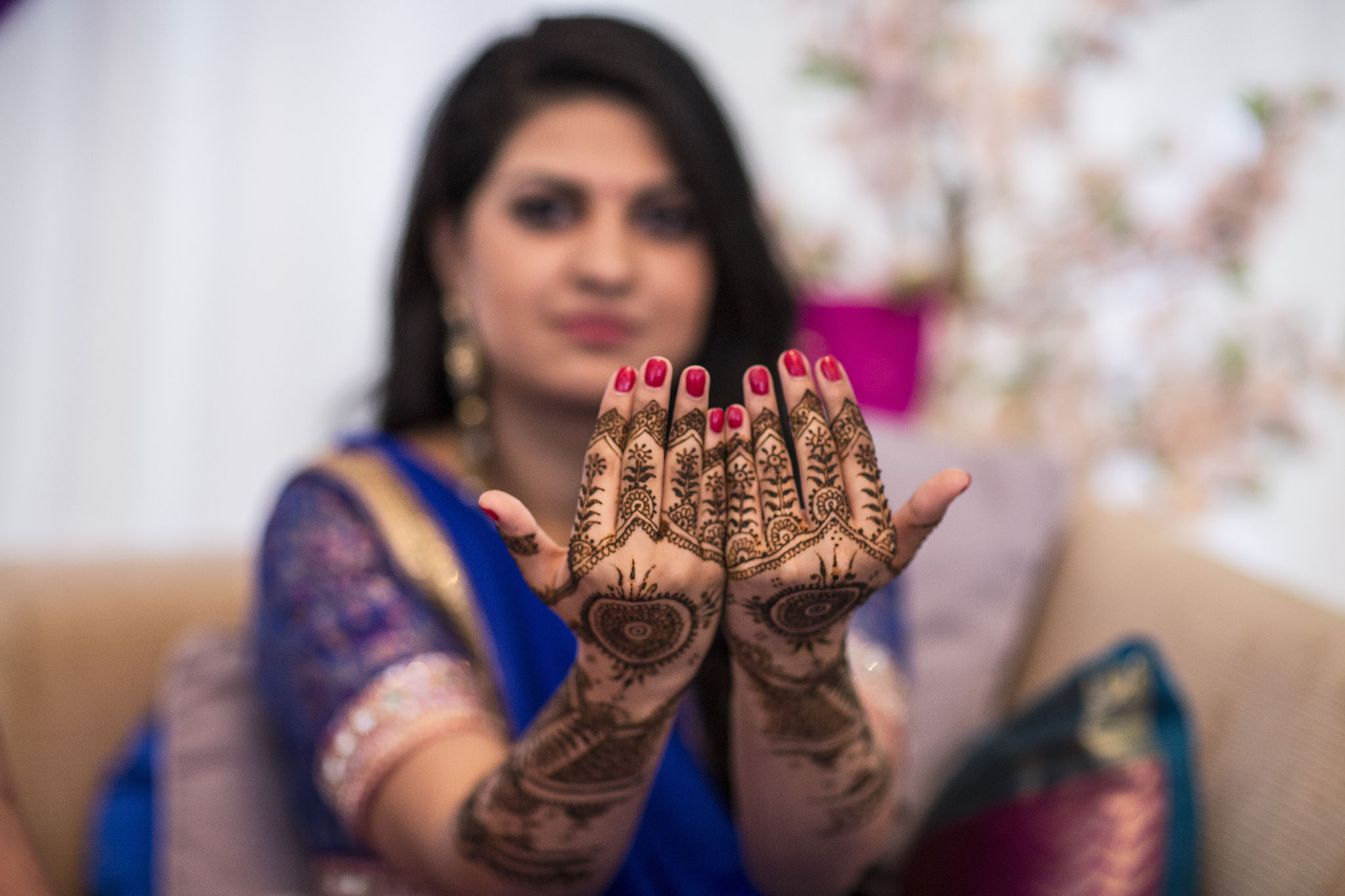 elizabethgphotography_kingslangley_hertfordshire_fineart_indian_wedding_mehndi_photography_jigna_bhuja_14.jpg