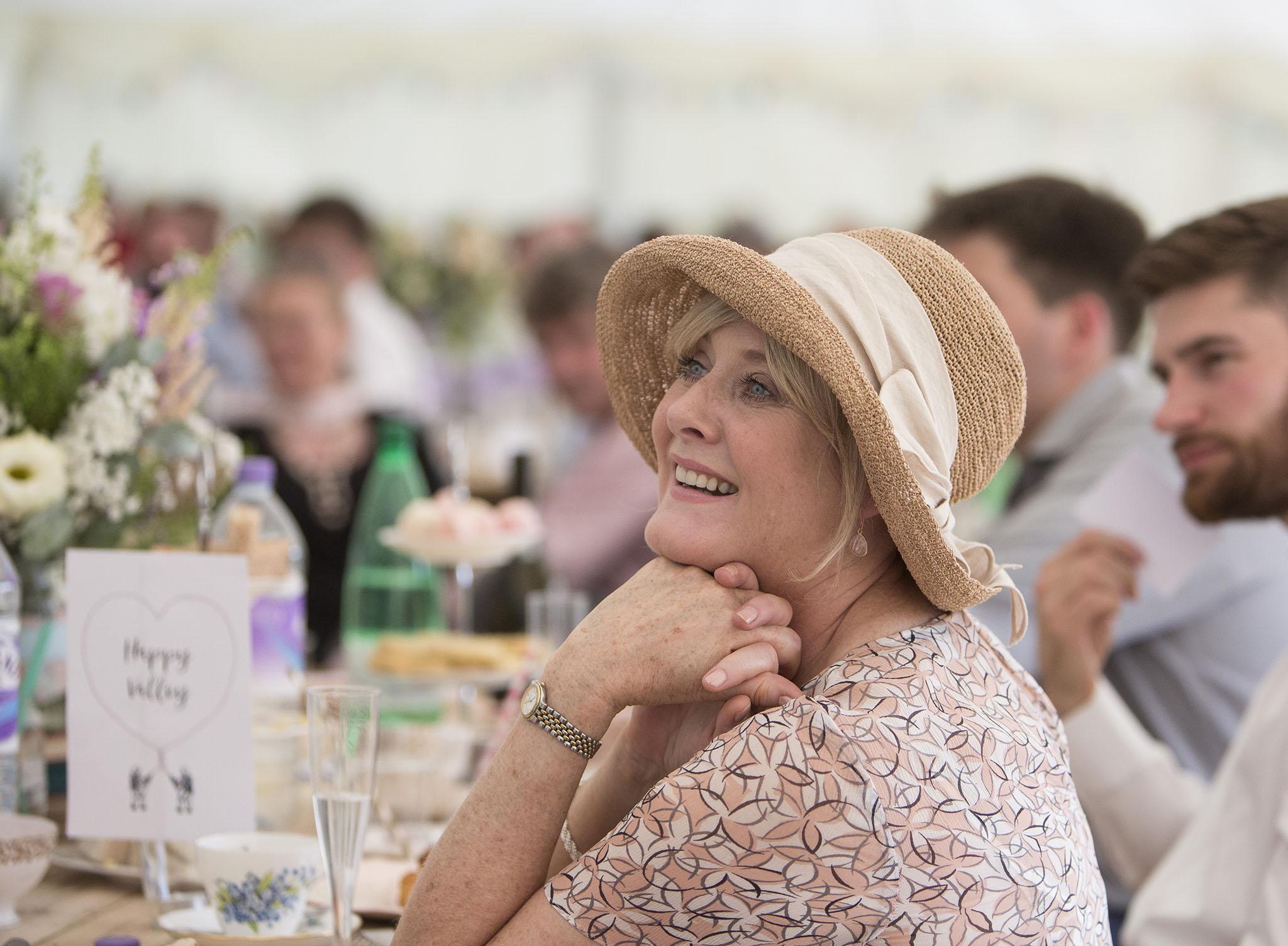 elizabethgphotography_kingslangley_hertfordshire_fineart_wedding_pottersbar_matt_katie_pegg_39.jpg